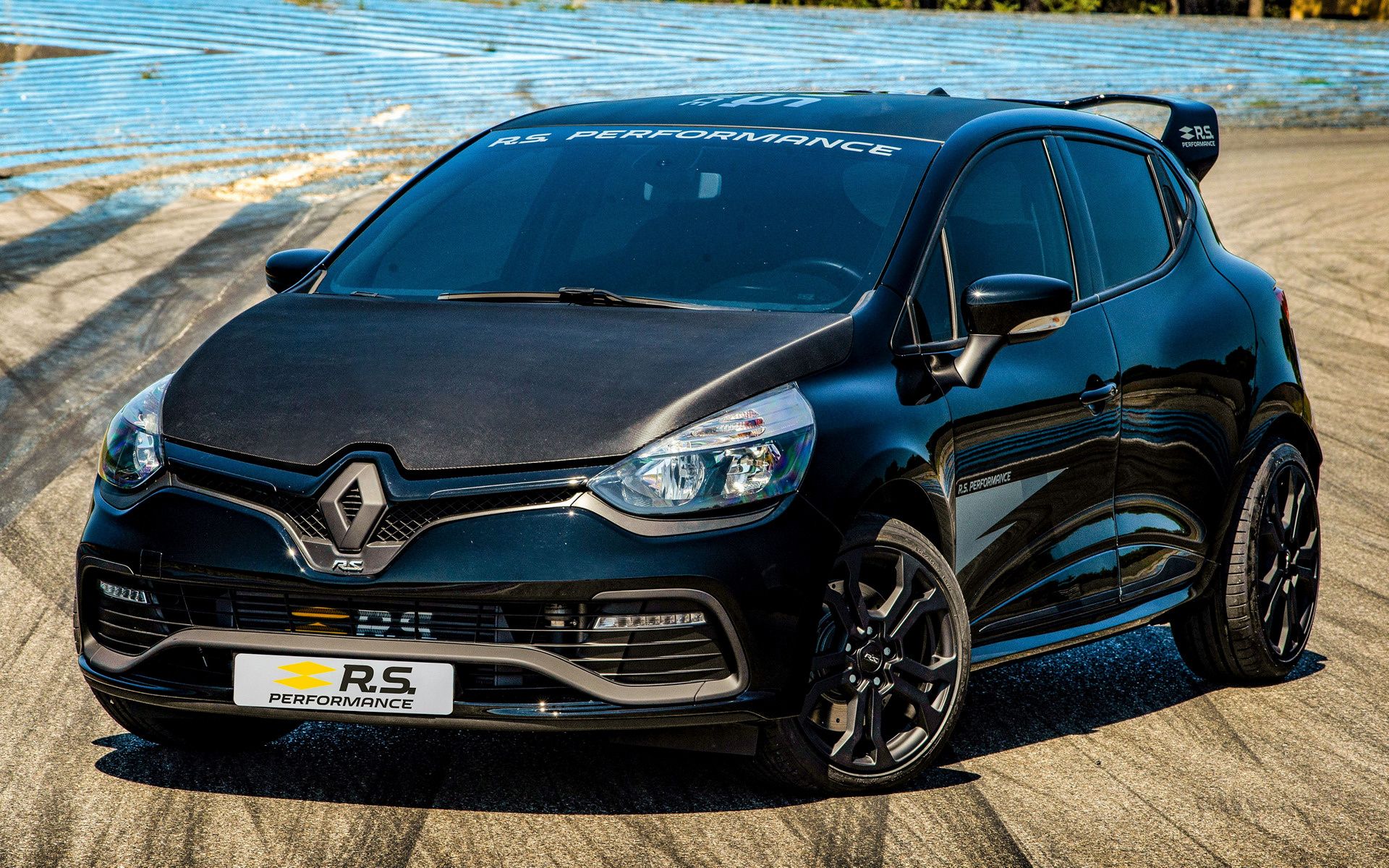 2018 renault clio rs with rs performance parts