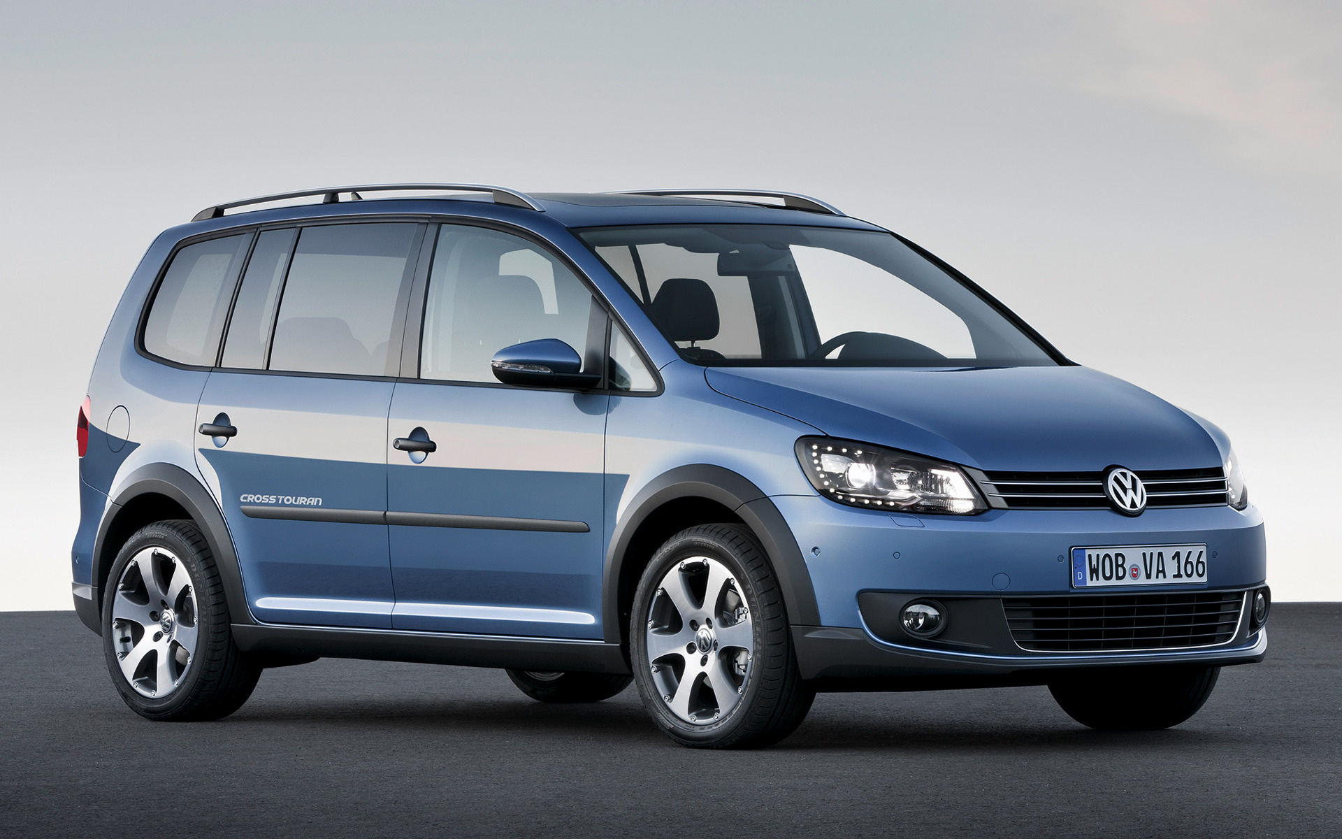 volkswagen cross touran 2010 wallpapers and hd images. Black Bedroom Furniture Sets. Home Design Ideas