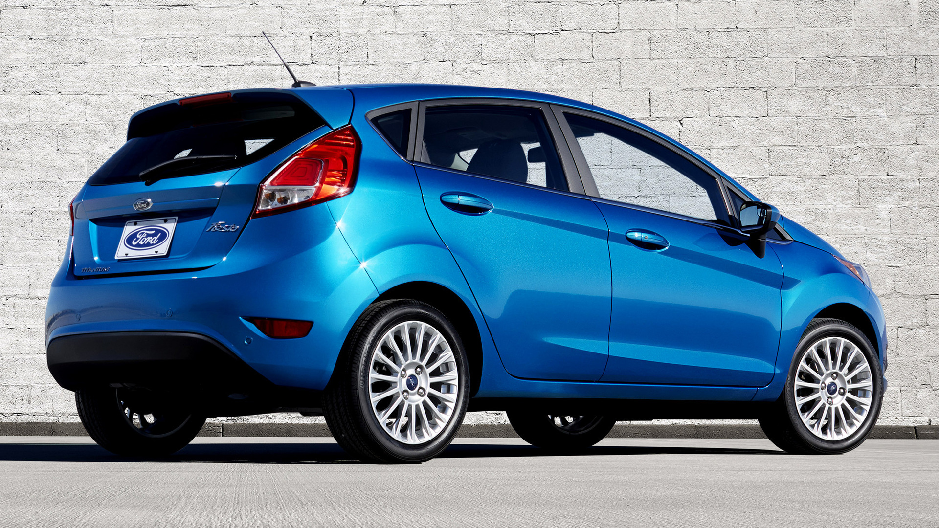 2014 Ford Fiesta Titanium Hatchback (US)