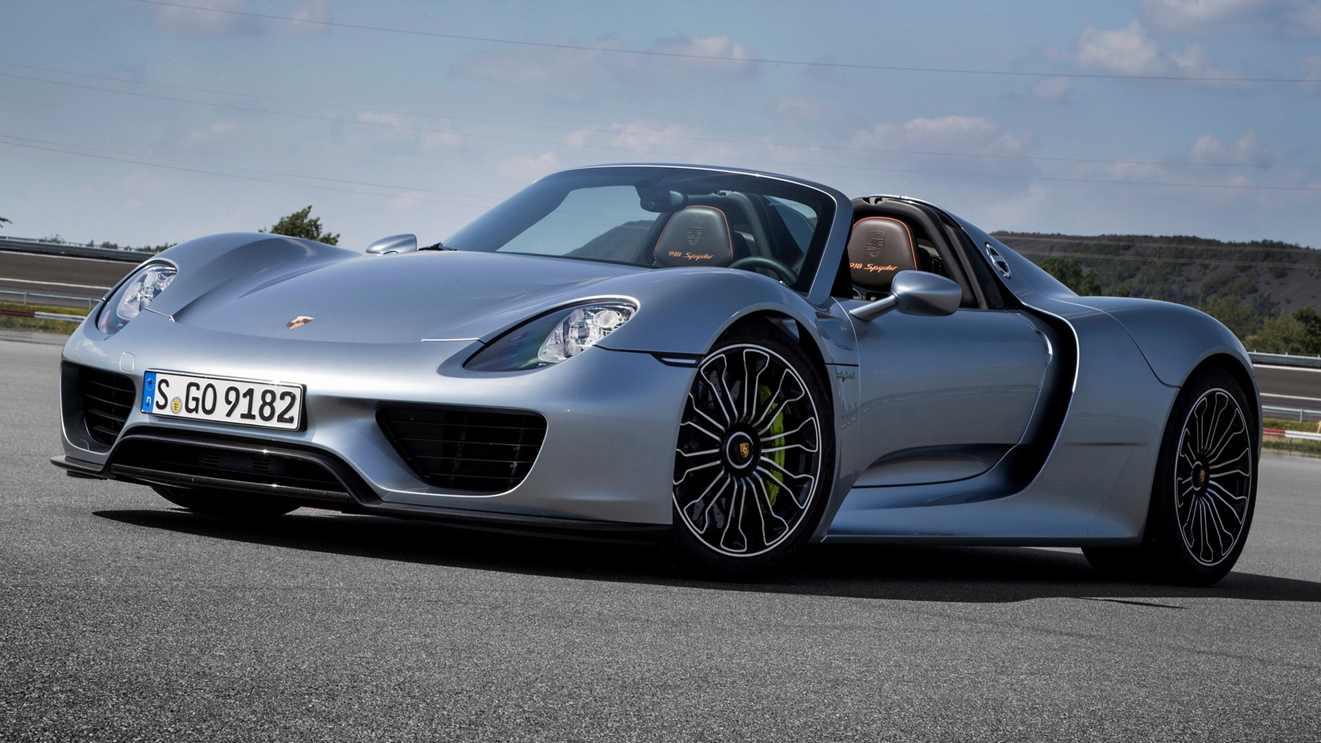 porsche 918 spyder 2014 wallpapers and hd images car pixel. Black Bedroom Furniture Sets. Home Design Ideas