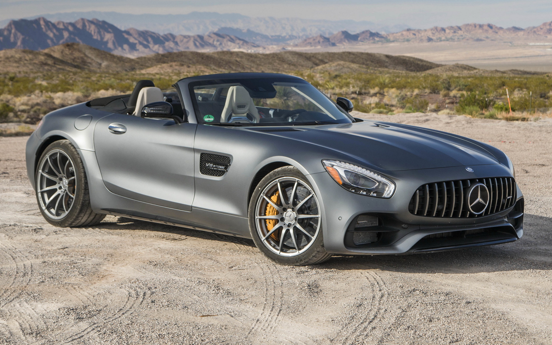 https://www.carpixel.net/w/78d24e1f7197c4015ac8c85cdb6541d3/mercedes-amg-gt-c-roadster-car-wallpaper-59122.jpg
