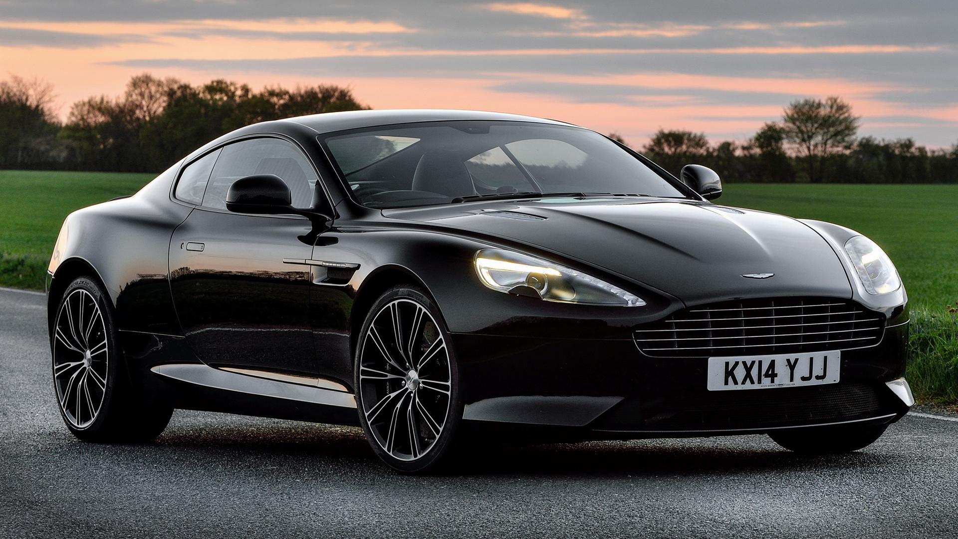 2014 Aston Martin DB9 Carbon Black (UK)