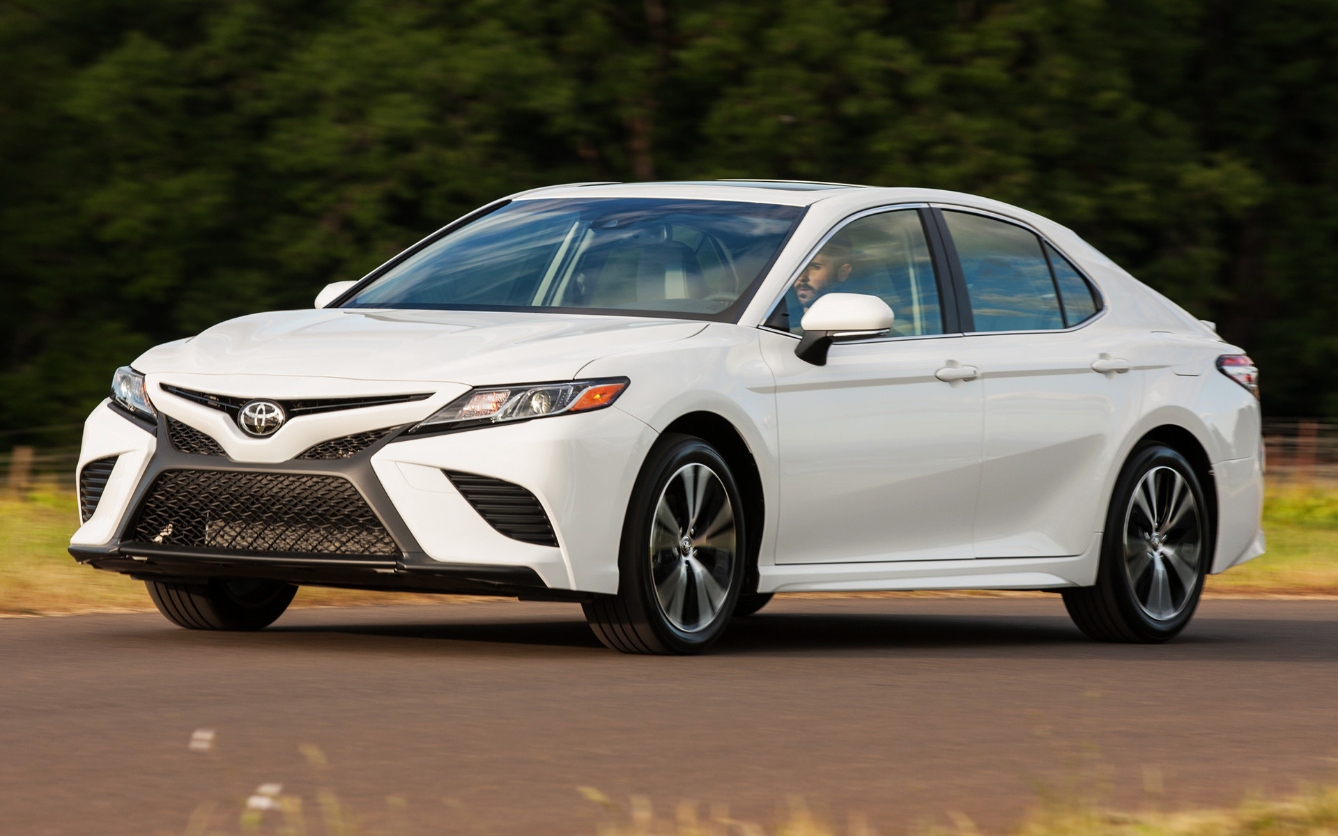 Camry Le Vs Se >> 2018 Toyota Camry SE - Wallpapers and HD Images | Car Pixel