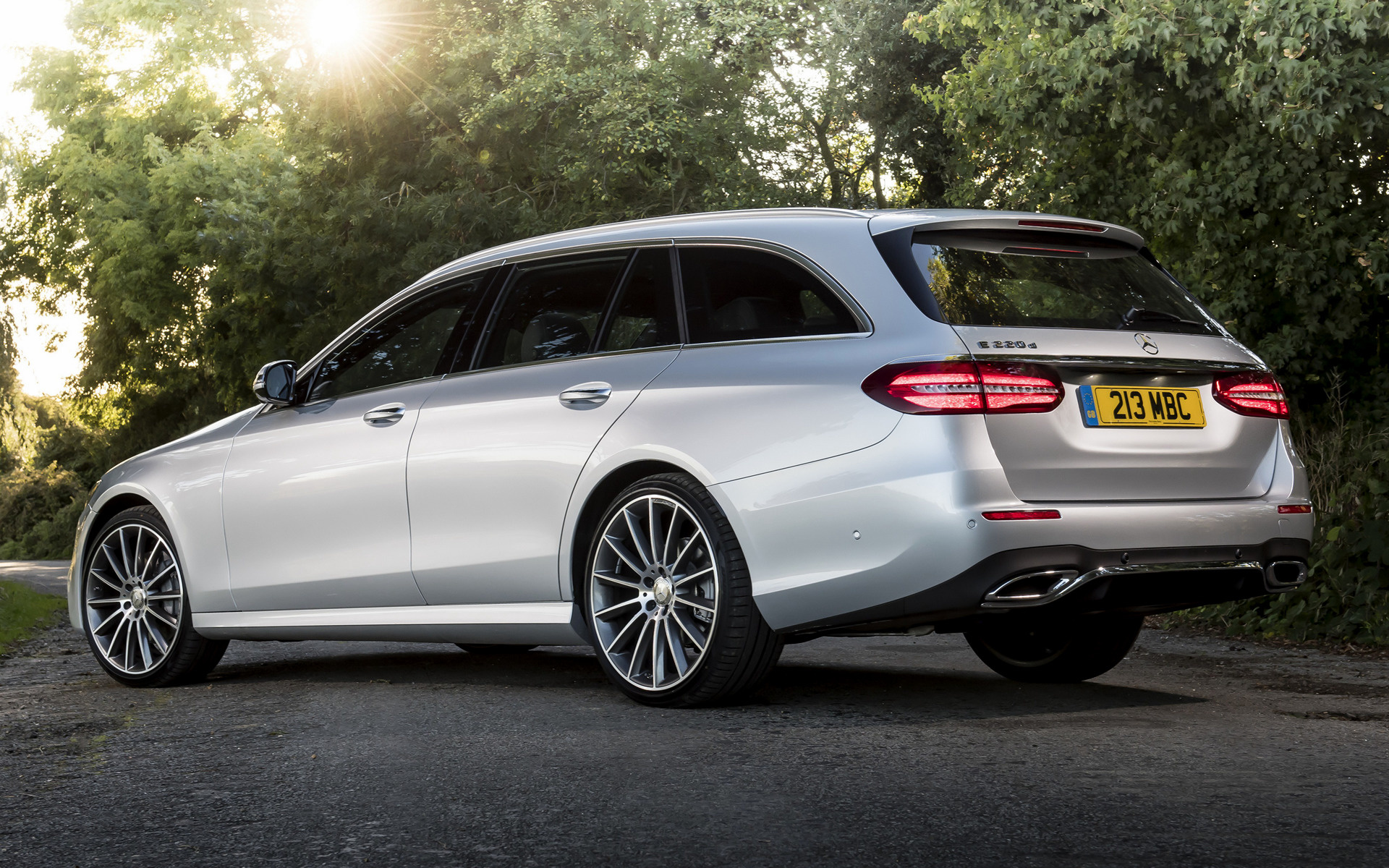 Genesis Sports Car >> 2016 Mercedes-Benz E-Class Estate AMG Line (UK ...