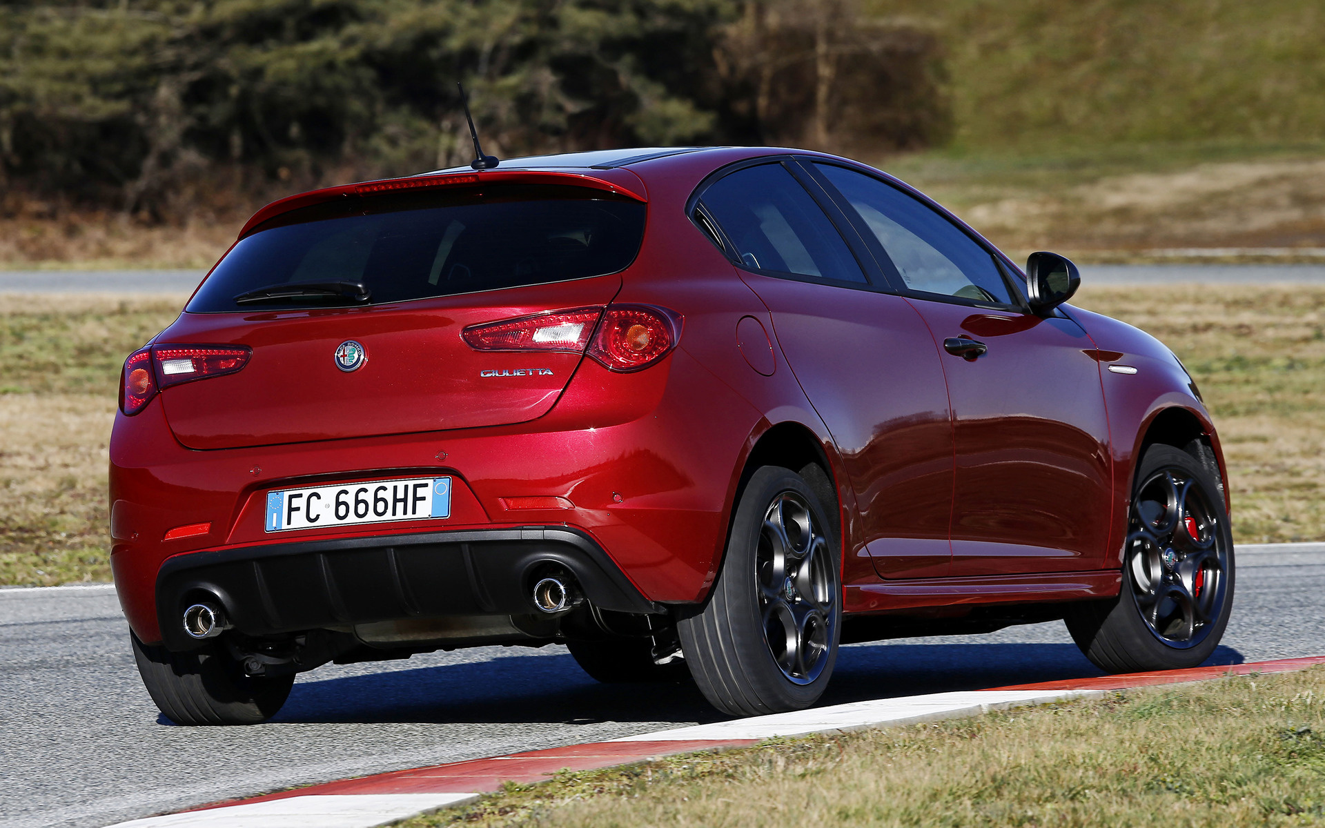 Alfa Romeo Giulietta >> 2016 Alfa Romeo Giulietta Veloce Pack - Wallpapers and HD ...