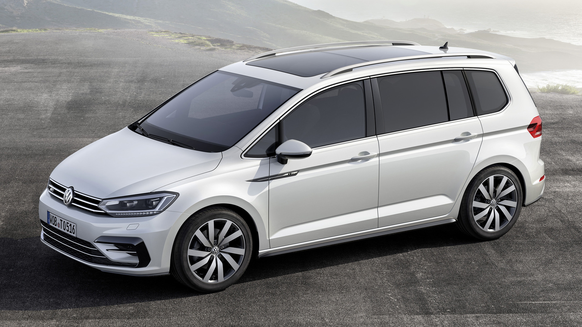 volkswagen touran r line 2015 wallpapers and hd images car pixel. Black Bedroom Furniture Sets. Home Design Ideas