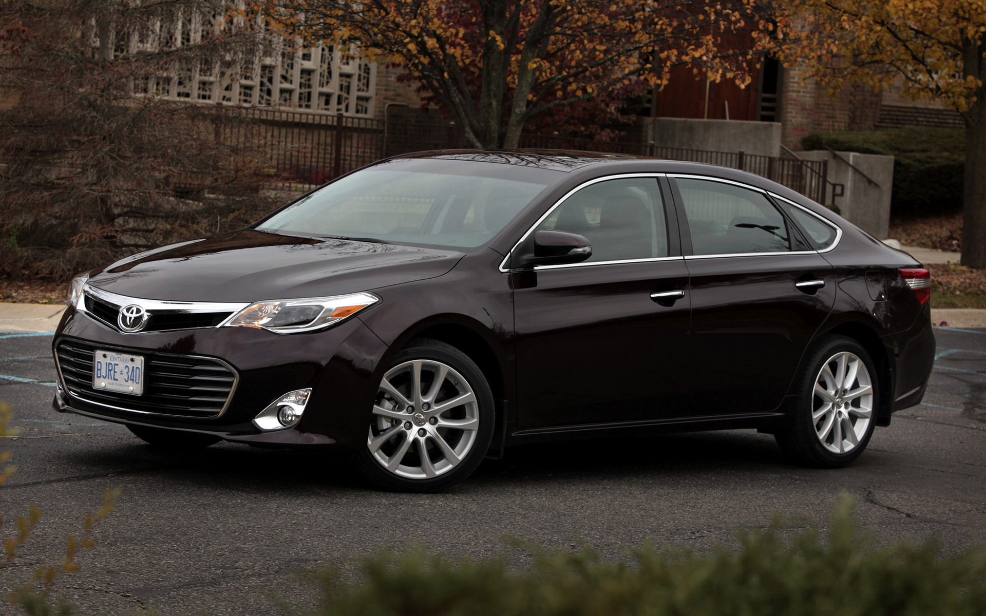 toyota avalon 2012 wallpapers and hd images car pixel. Black Bedroom Furniture Sets. Home Design Ideas