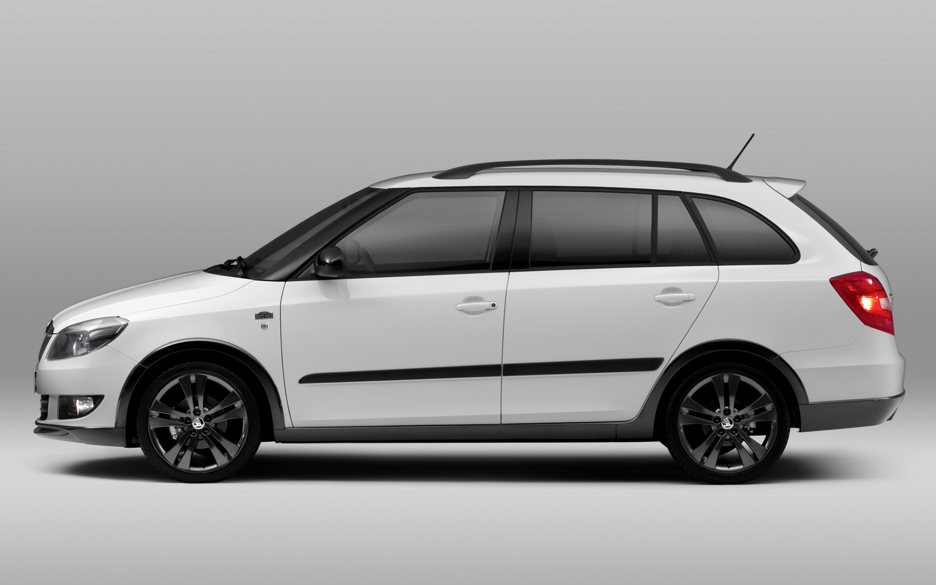 2011 Skoda Fabia Combi Monte Carlo - Wallpapers and HD Images | Car Pixel