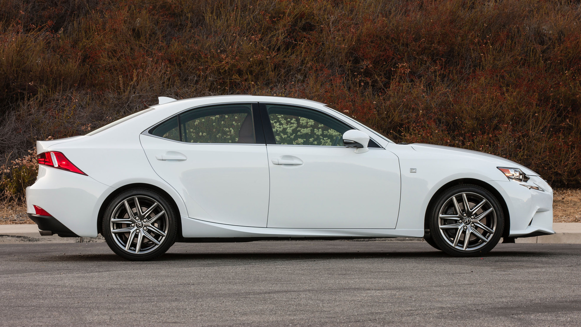 2014 lexus is f sport us wallpapers and hd images car pixel. Black Bedroom Furniture Sets. Home Design Ideas