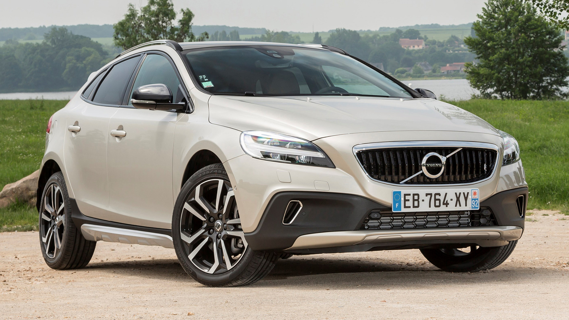 Volvo V40 Cross Country 2016 Wallpapers And Hd Images