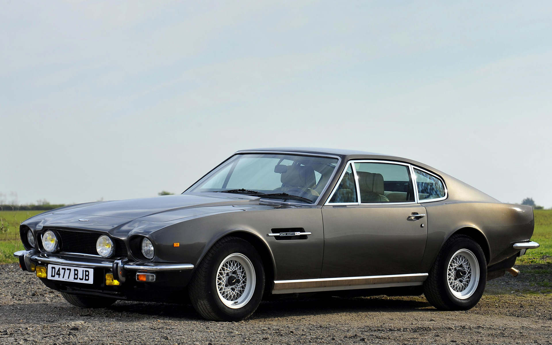 Aston Martin V8 1986 Wallpapers And Hd Images Car Pixel