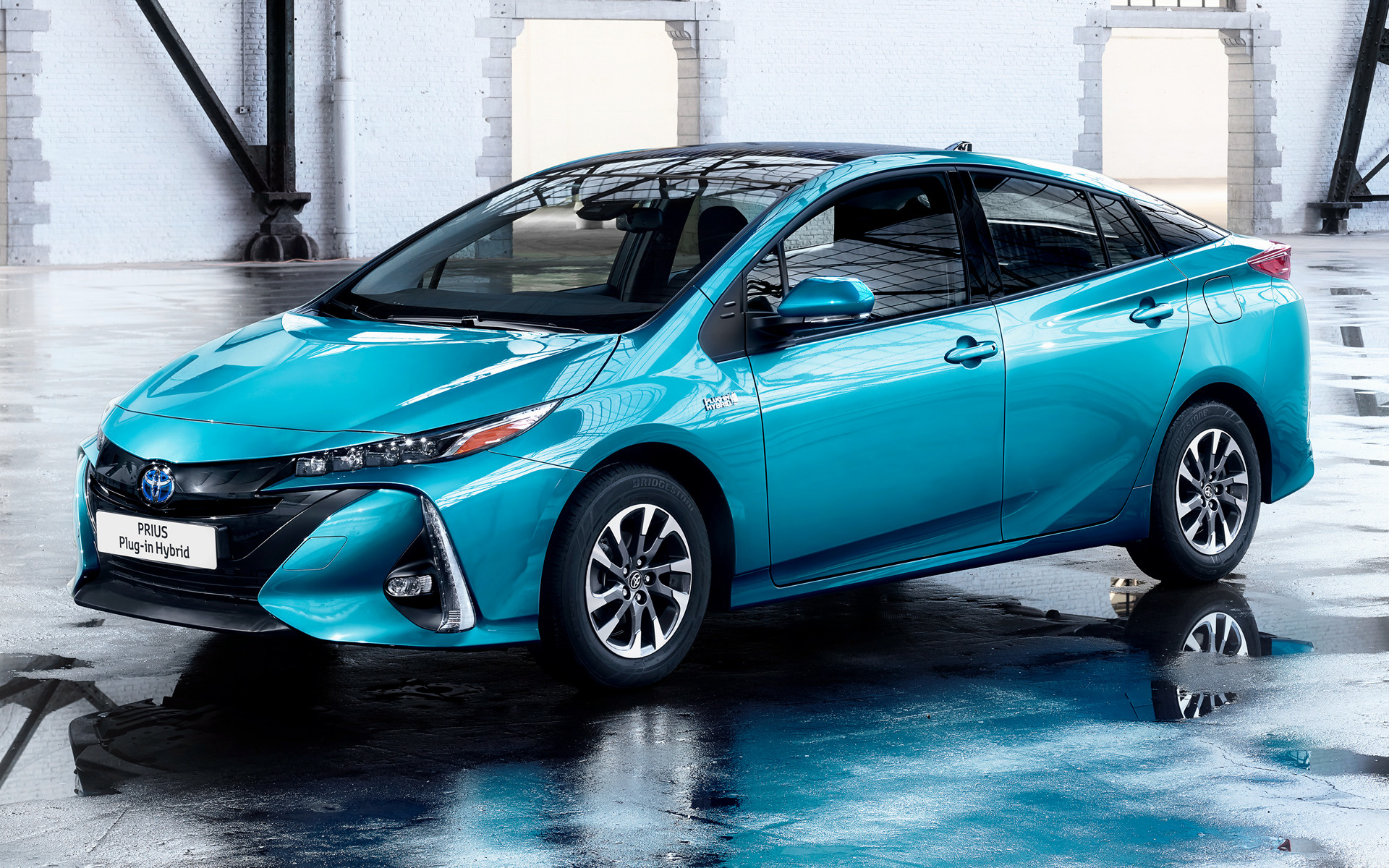 Toyota Prius Plug-in Hybrid (2016) Wallpapers and HD ...