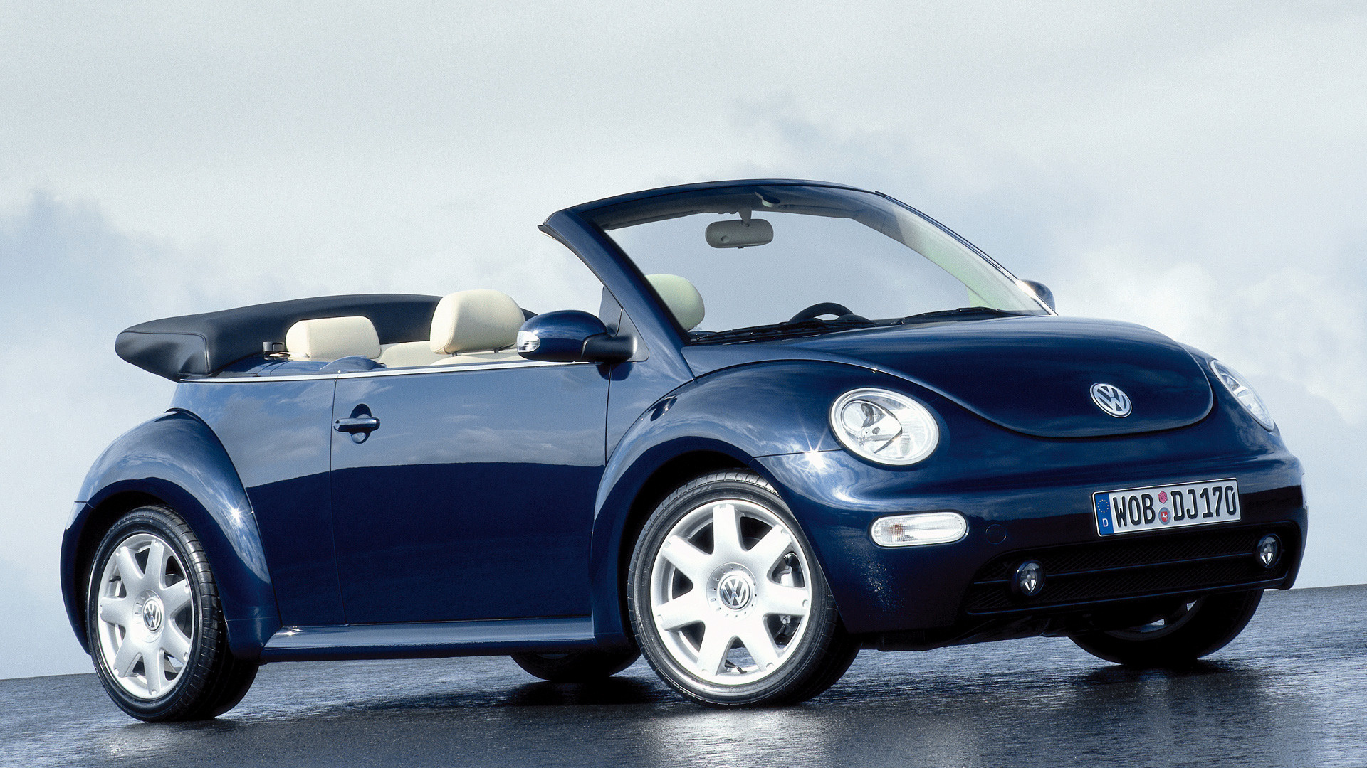 volkswagen new beetle cabriolet 2003 wallpapers and hd. Black Bedroom Furniture Sets. Home Design Ideas