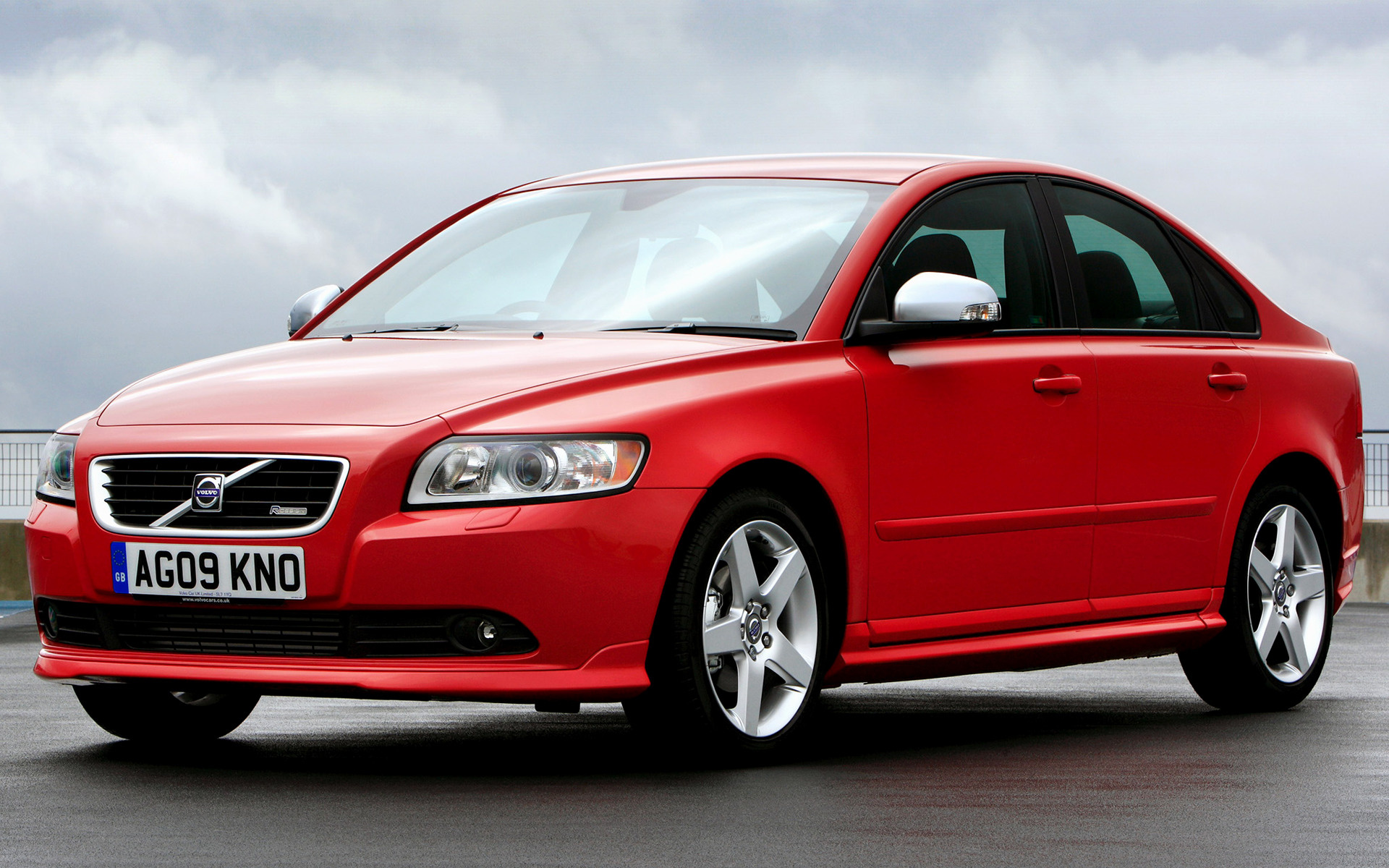 Volvo S40 R-Design (2008) UK Wallpapers and HD Images - Car Pixel