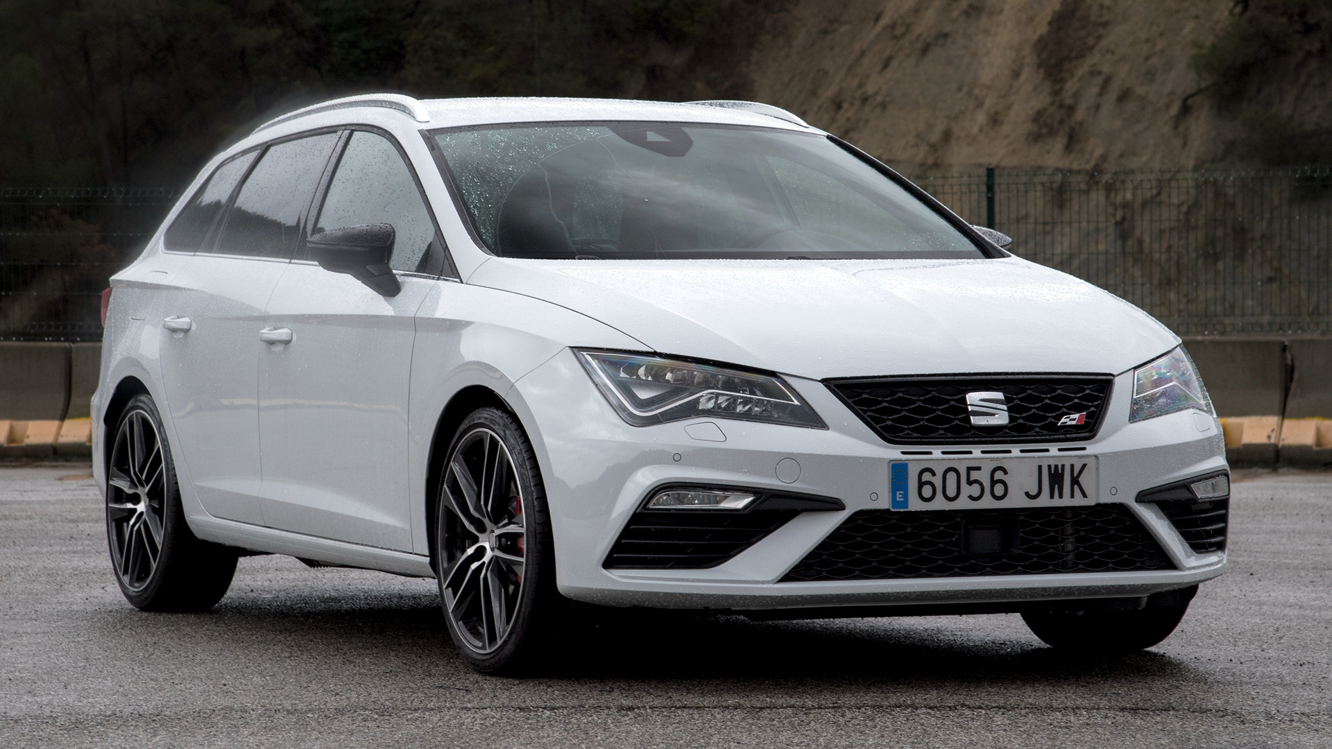 seat leon st cupra 300 2017 wallpapers and hd images. Black Bedroom Furniture Sets. Home Design Ideas