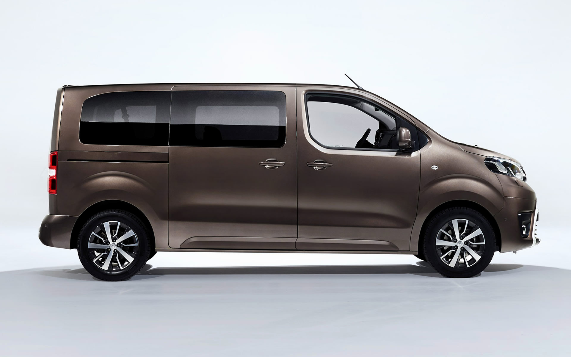 2016 Toyota Proace Verso Wallpapers And Hd Images Car