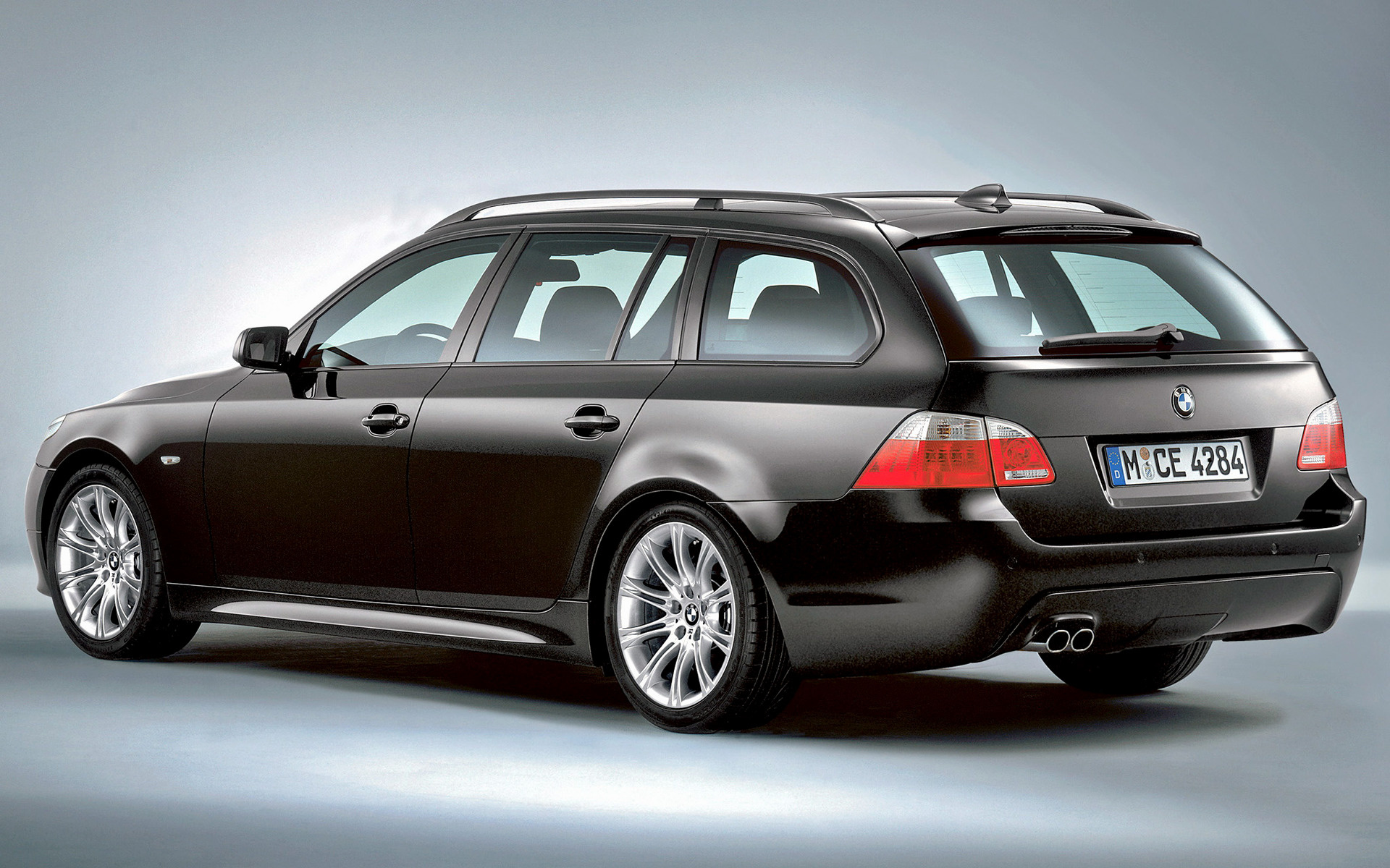 2005 Bmw 5 Series Touring M Sport Wallpapers And Hd Images Car Pixel