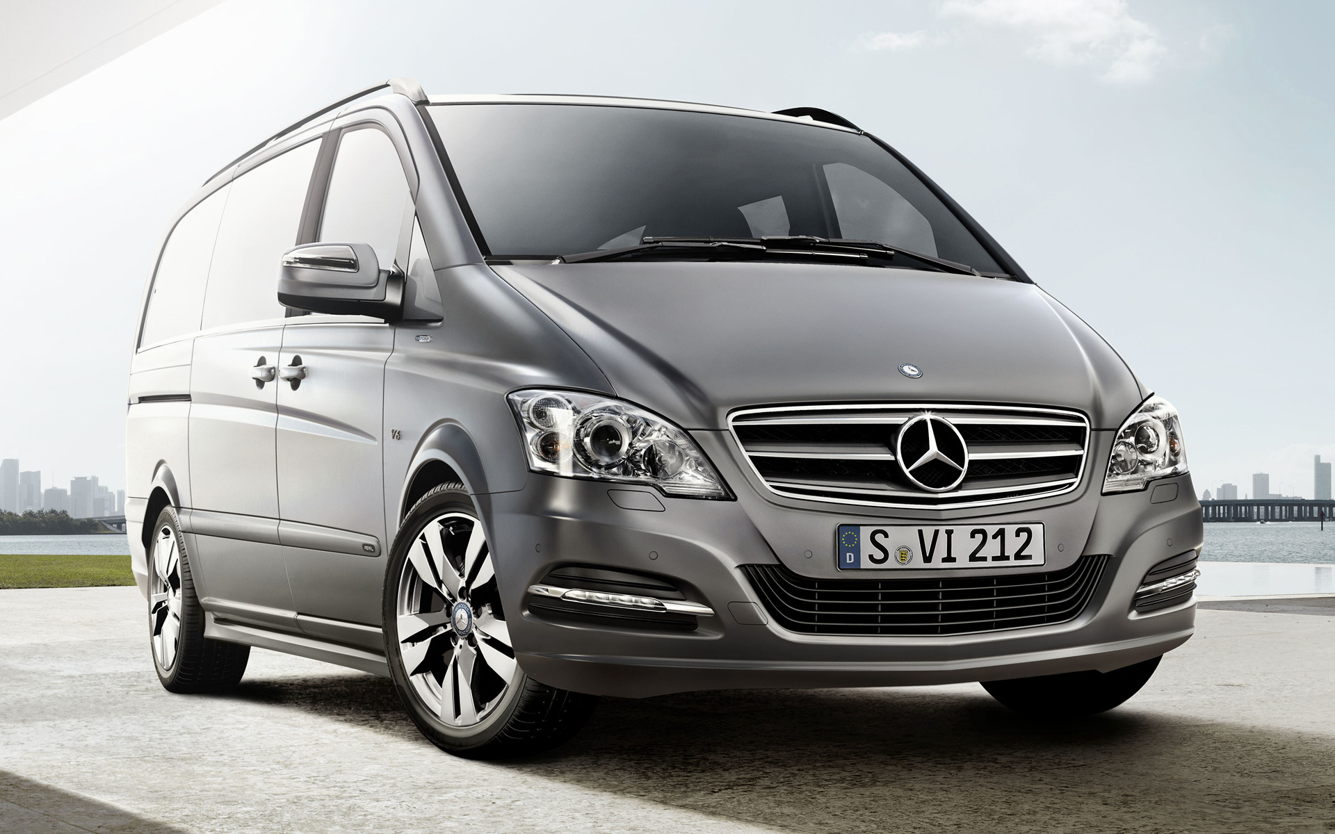 Mercedes benz viano pearl long 2012 wallpapers and hd for Mercedes benz long