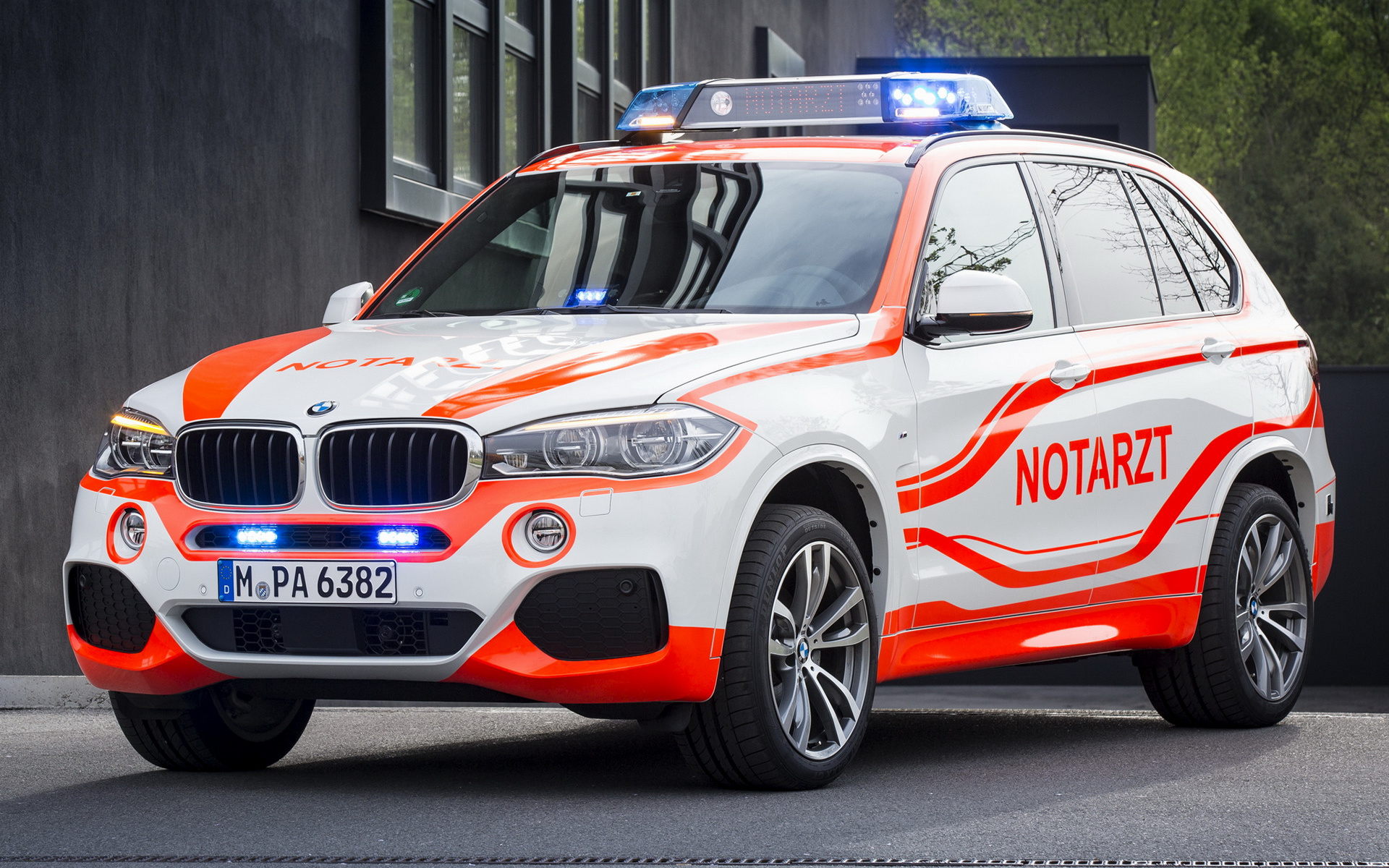 Bmw X5 M Sport Notarzt 2014 Wallpapers And Hd Images