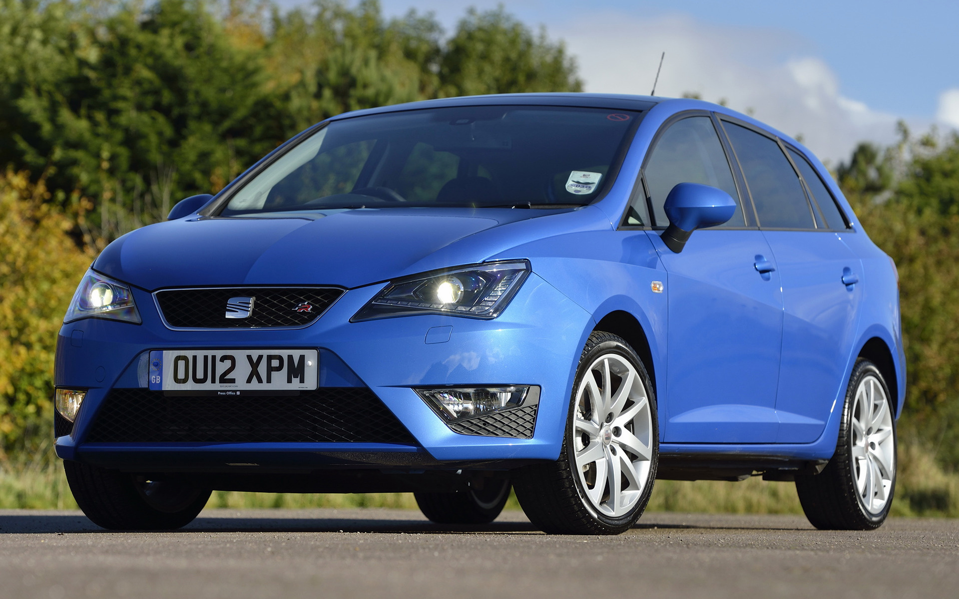 seat ibiza st fr 2012 uk wallpapers and hd images car pixel. Black Bedroom Furniture Sets. Home Design Ideas