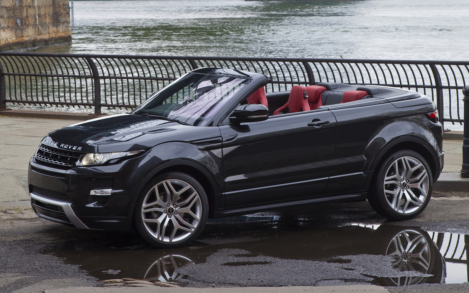 https://www.carpixel.net/w/95f554fb25a34f5fe5bef69da968973a/range-rover-evoque-convertible-concept-car-wallpaper-36920.jpg