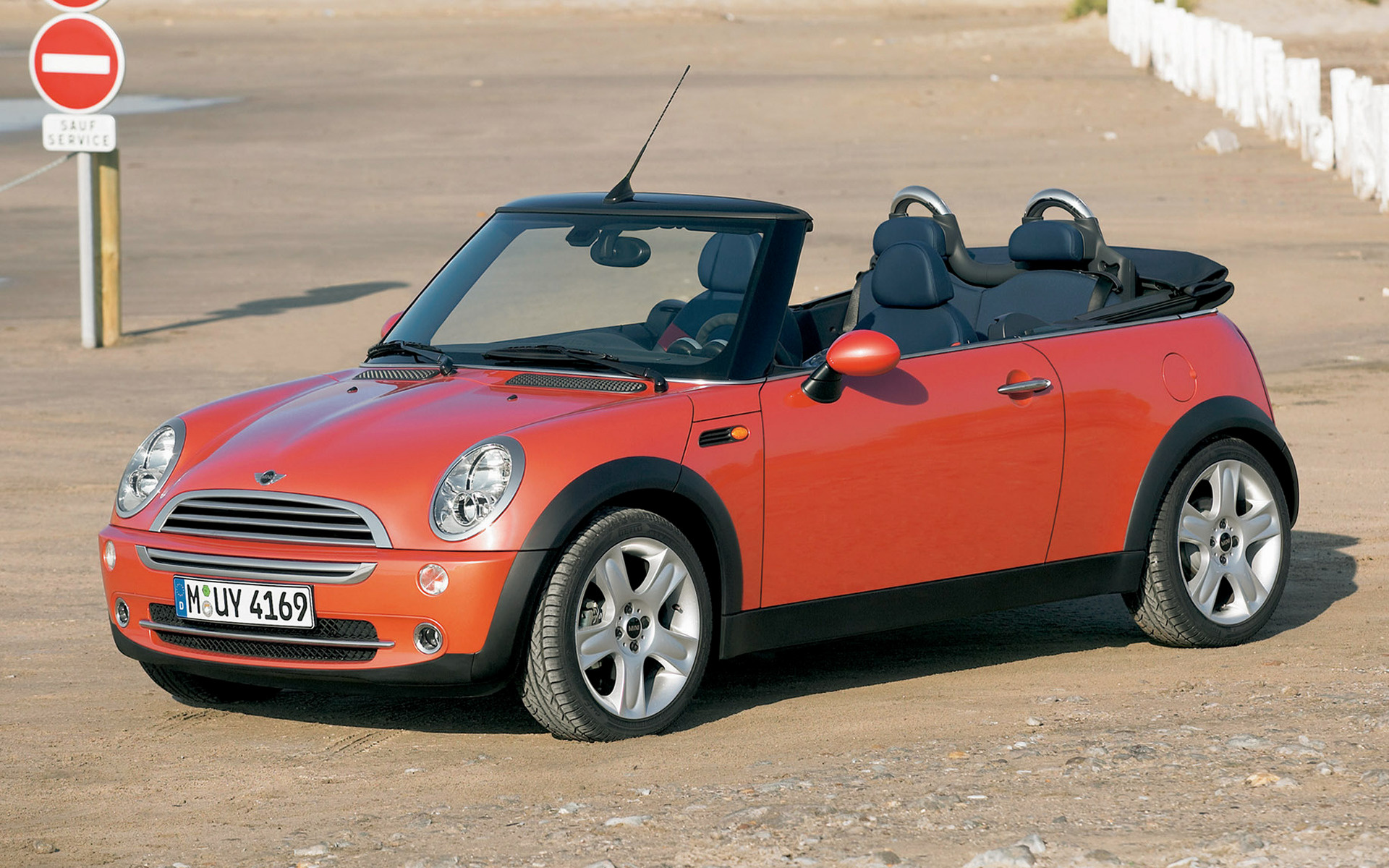 mini cooper cabrio 2004 wallpapers and hd images car pixel. Black Bedroom Furniture Sets. Home Design Ideas