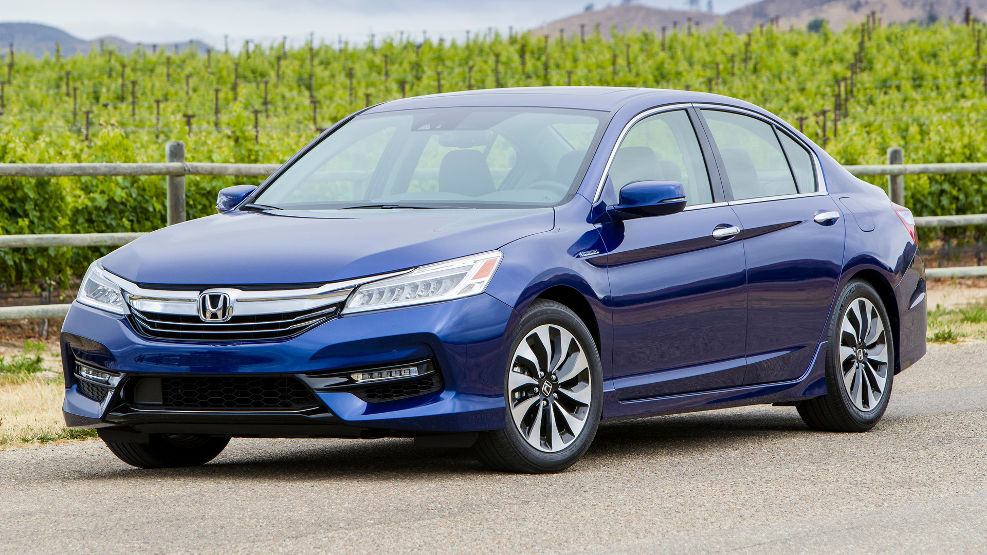 honda accord hybrid touring 2017 us wallpapers and hd images car pixel. Black Bedroom Furniture Sets. Home Design Ideas