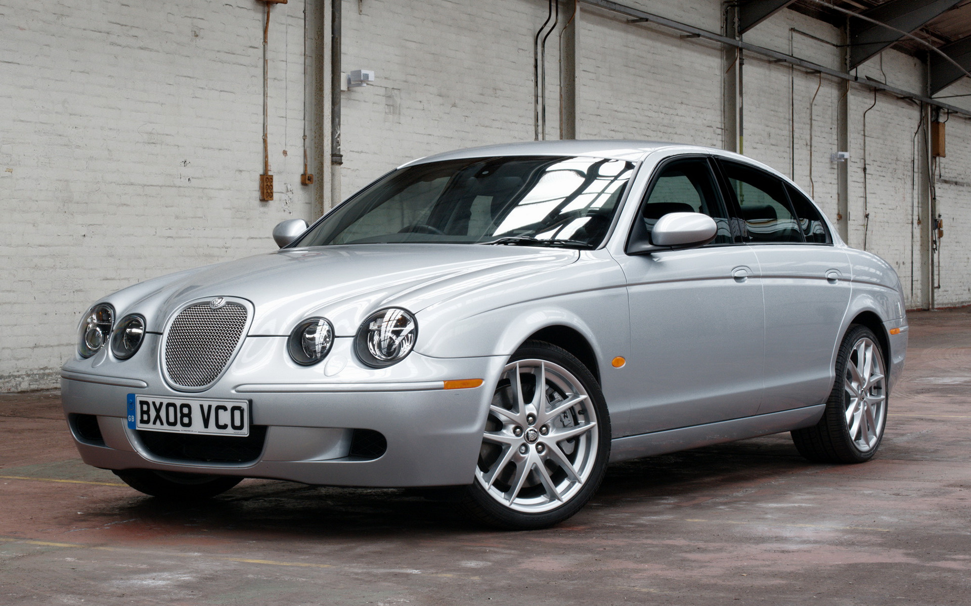 jaguar s type r 2003 uk wallpapers and hd images car pixel. Black Bedroom Furniture Sets. Home Design Ideas