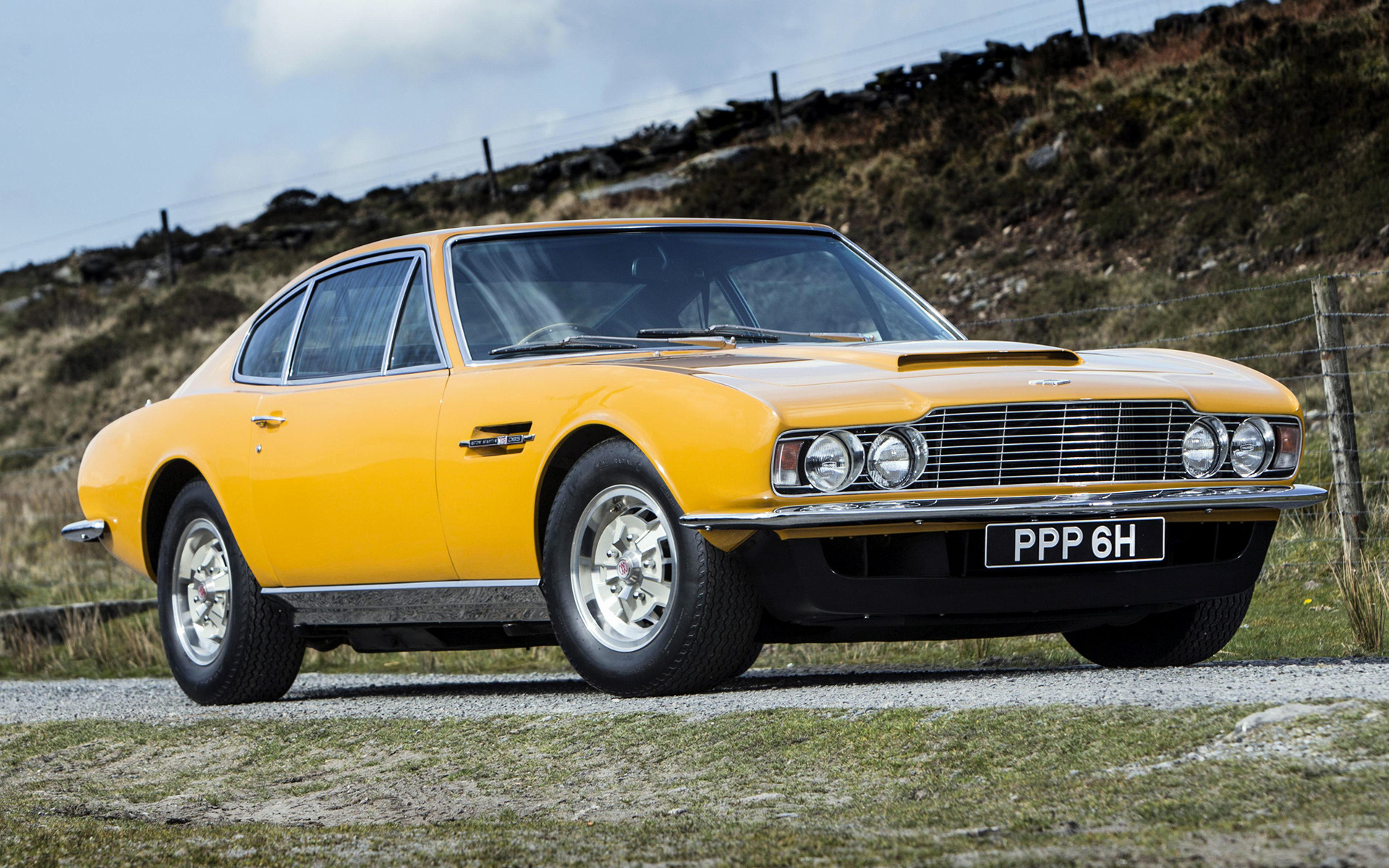 aston martin dbs the persuaders 1970 wallpapers and hd images car pixel. Black Bedroom Furniture Sets. Home Design Ideas