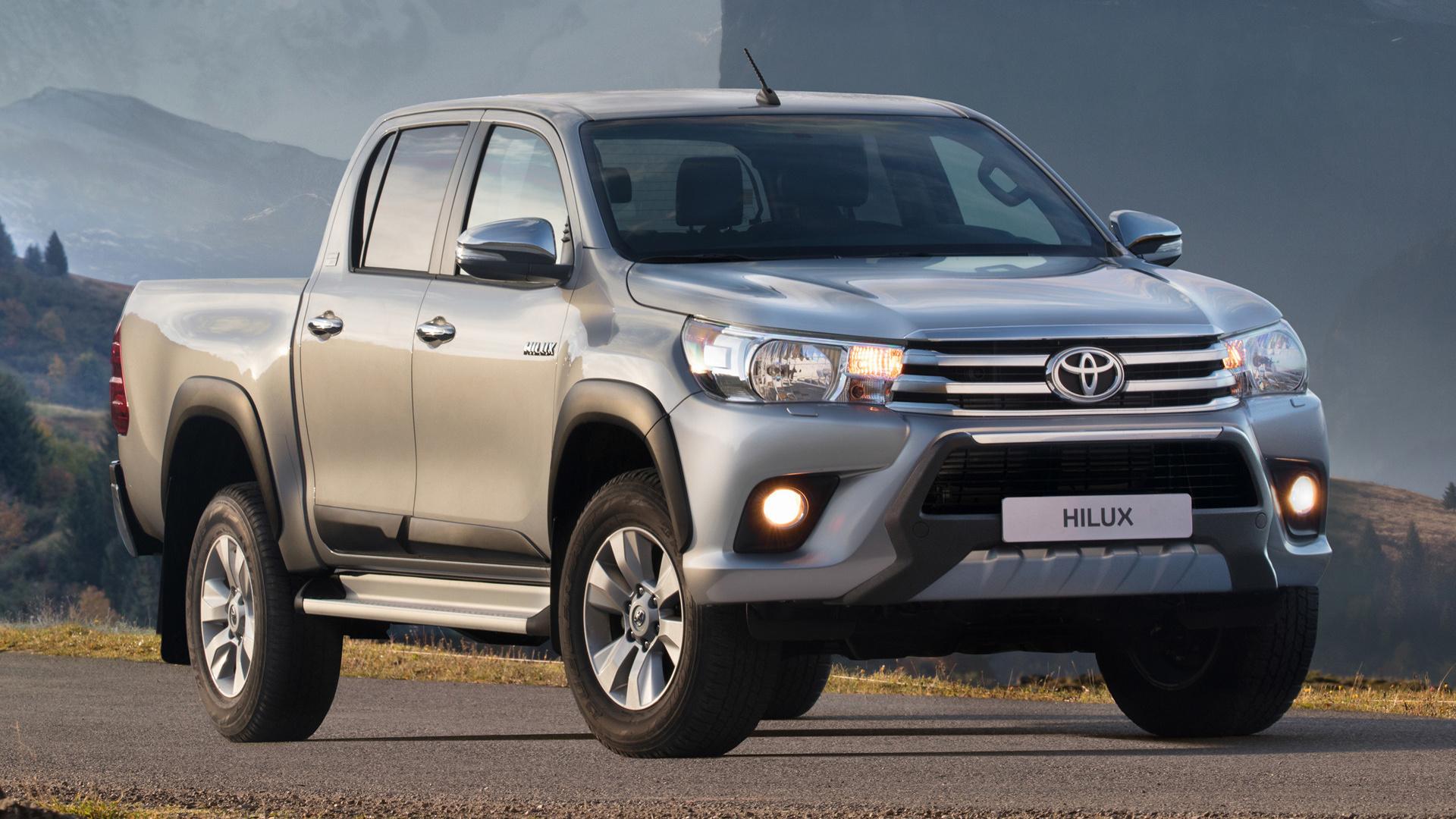 2018 Toyota Hilux Double Cab Legende Sport Wallpapers