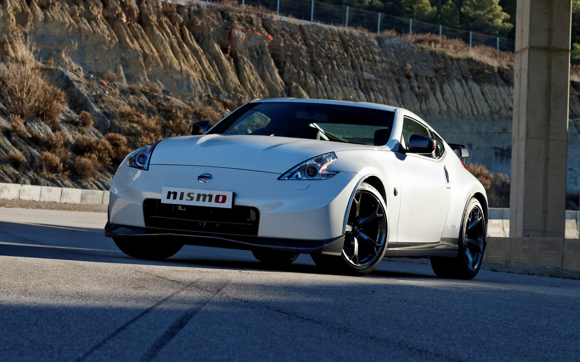 Nissan 370z Nismo 2013 Uk Wallpapers And Hd Images Car
