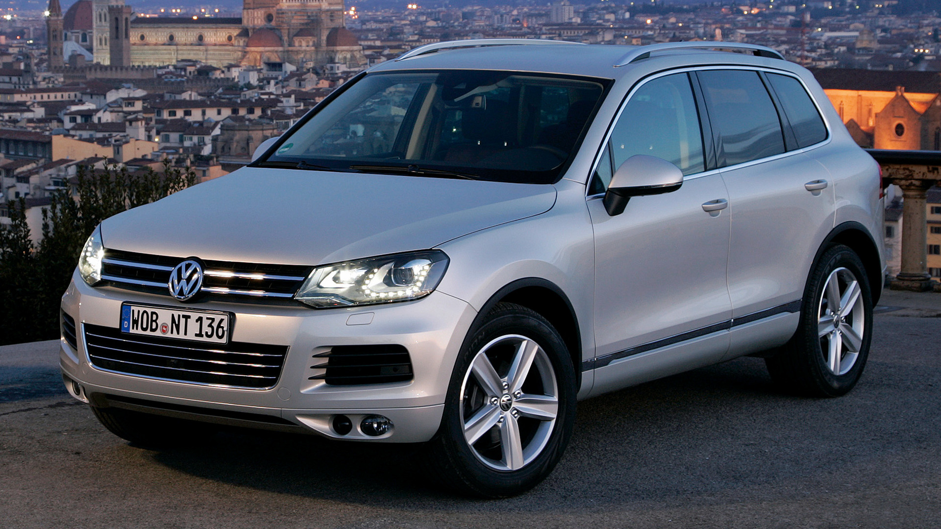 volkswagen touareg 2010 wallpapers and hd images car pixel. Black Bedroom Furniture Sets. Home Design Ideas