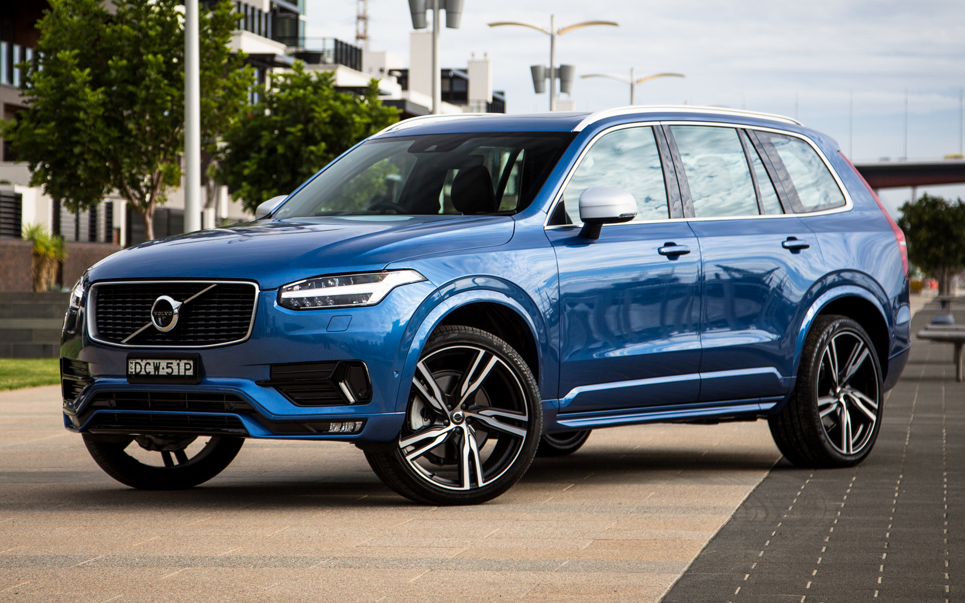 volvo xc90 r design 2016 au wallpapers and hd images. Black Bedroom Furniture Sets. Home Design Ideas