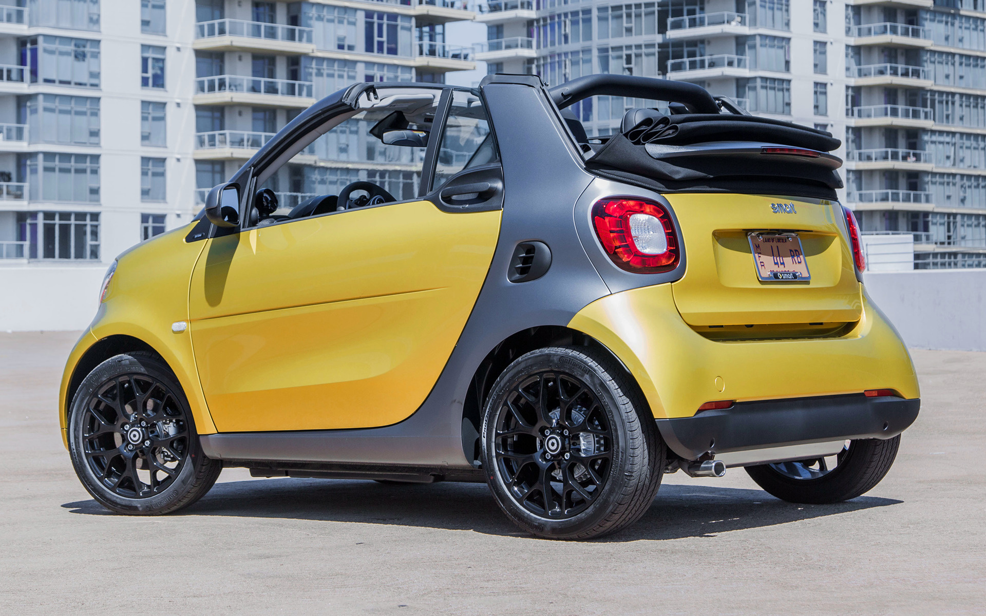 smart fortwo cabrio 2017 us wallpapers and hd images. Black Bedroom Furniture Sets. Home Design Ideas