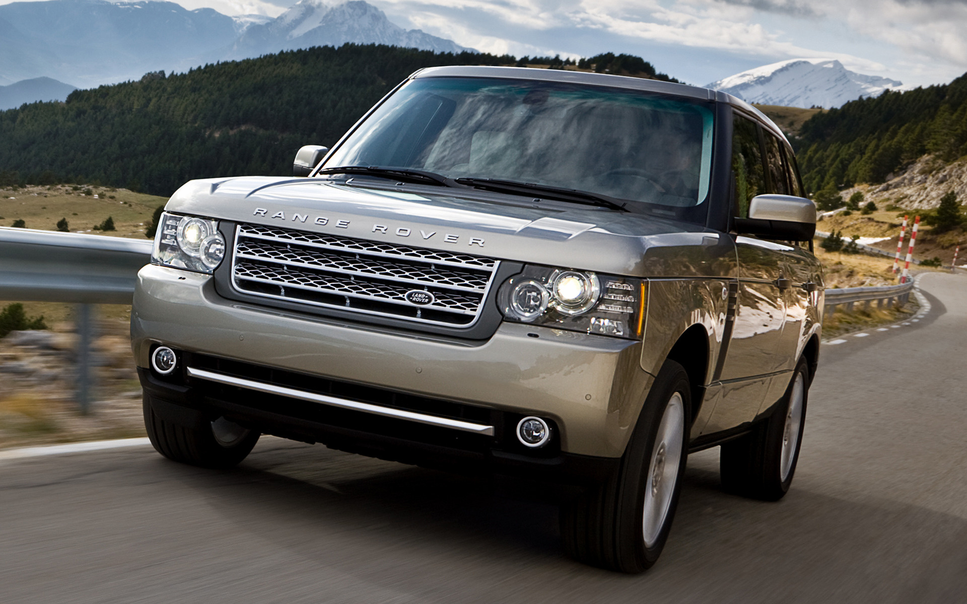 range rover supercharged 2009 wallpapers and hd images. Black Bedroom Furniture Sets. Home Design Ideas
