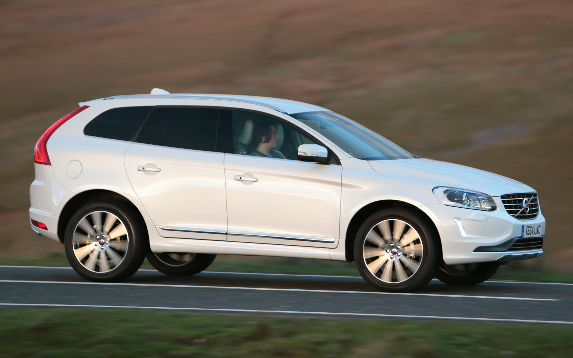 Volvo XC60 (2013) UK Wallpapers and HD Images  Car Pixel