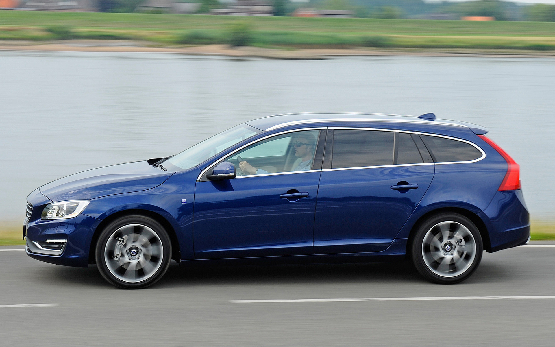 2014 Volvo V60 Ocean Race - Wallpapers and HD Images | Car Pixel