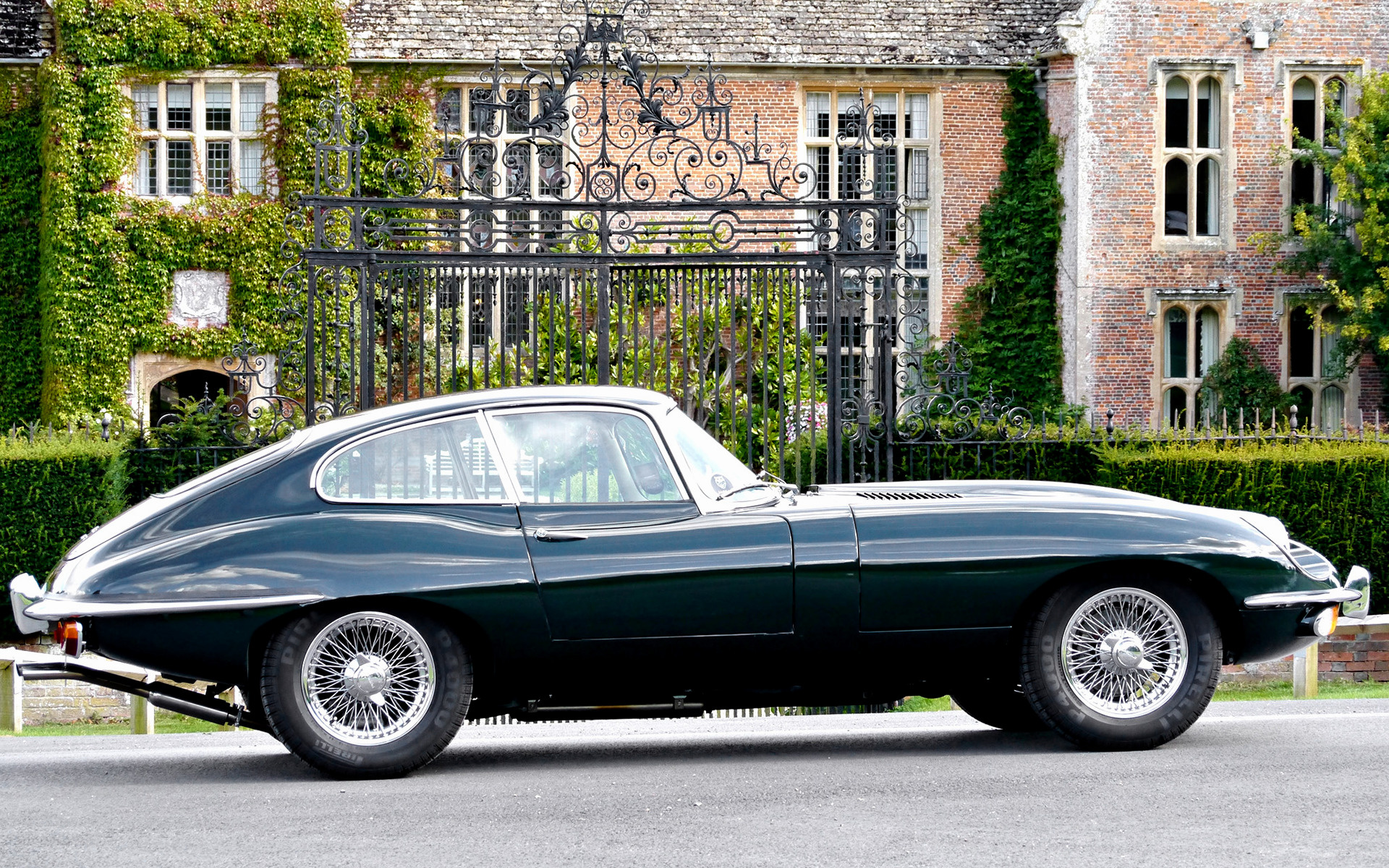 1968 Jaguar E-Type Fixed Head Coupe (UK) - Wallpapers and HD Images | Car Pixel