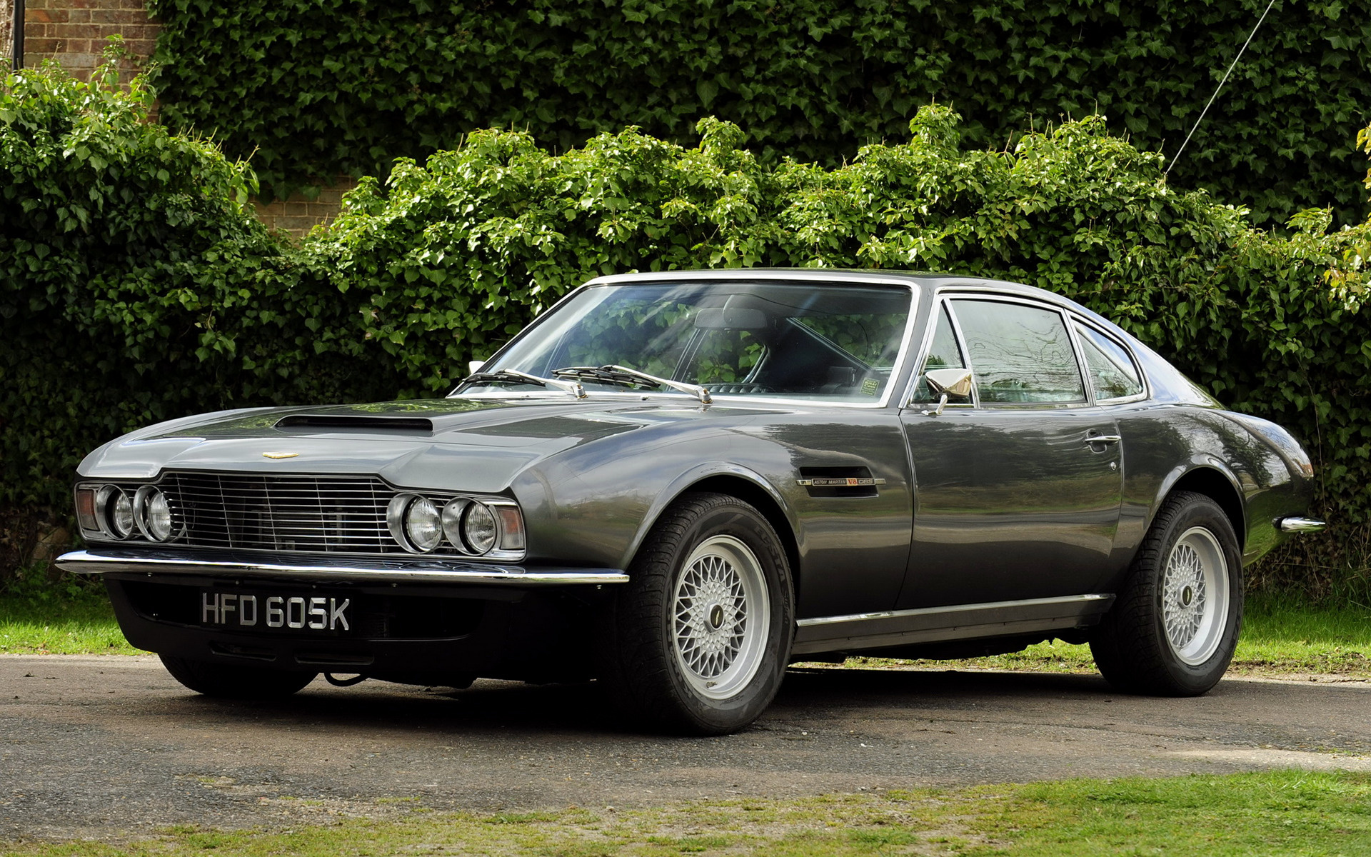 1970 aston martin dbs v8 uk wallpapers and hd images car pixel. Black Bedroom Furniture Sets. Home Design Ideas