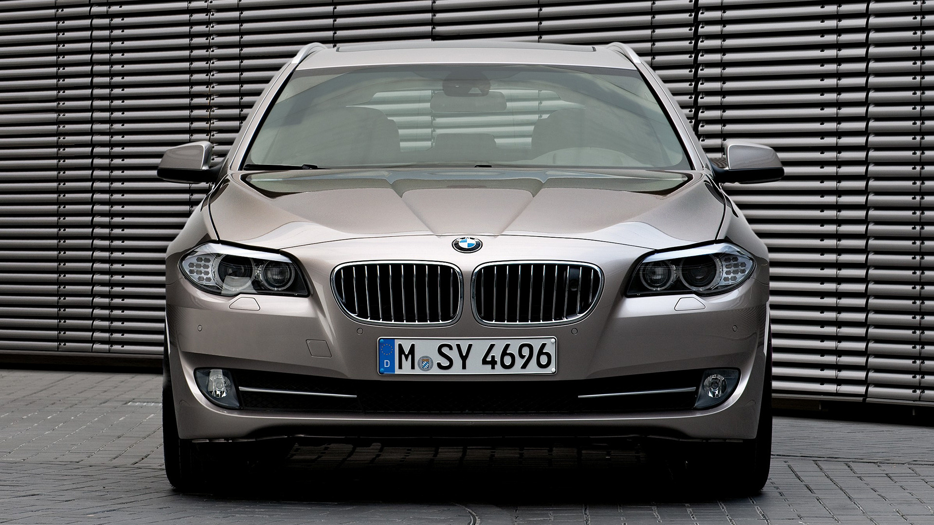 2010 Bmw 5 Series Touring Wallpapers And Hd Images Car Pixel