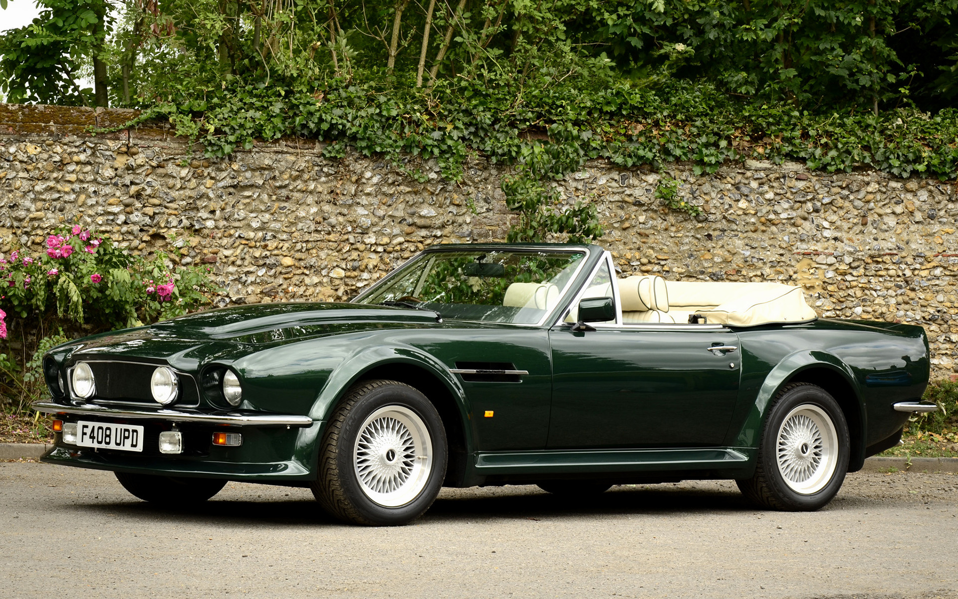Aston Martin V Vantage Volante Car Wallpaper