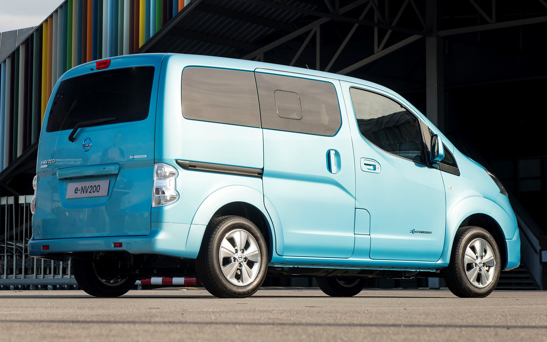 nissan e nv200 evalia 2014 wallpapers and hd images. Black Bedroom Furniture Sets. Home Design Ideas