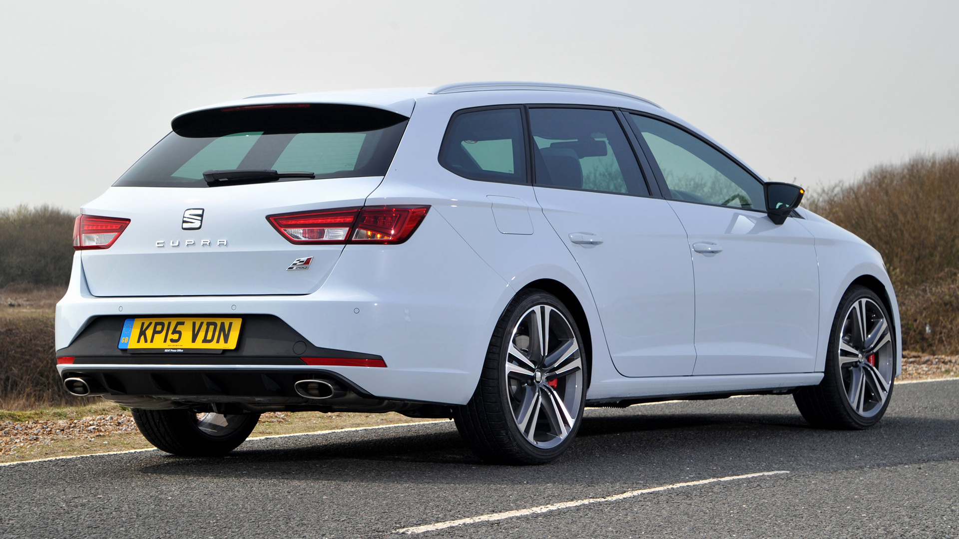 seat leon st cupra 280 2015 uk wallpapers and hd images car pixel. Black Bedroom Furniture Sets. Home Design Ideas
