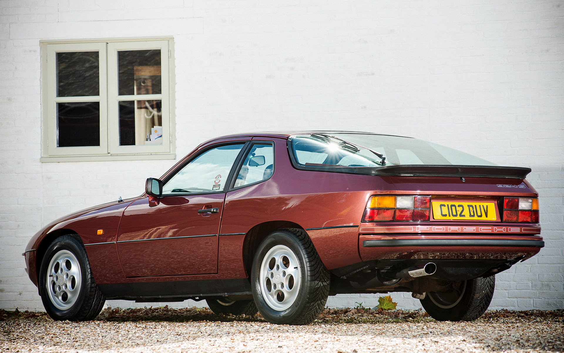 Porsche 924 S (1986) UK Wallpapers and HD Images - Car Pixel on porsche 964 carrera, porsche 993 carrera, porsche 356 carrera, 2007 porsche carrera, porsche carrera 2000 engines, porsche 906 carrera, porsche 959 carrera, 1980 porsche carrera, porsche boxster carrera, porsche 991 carrera, porsche 996 carrera,