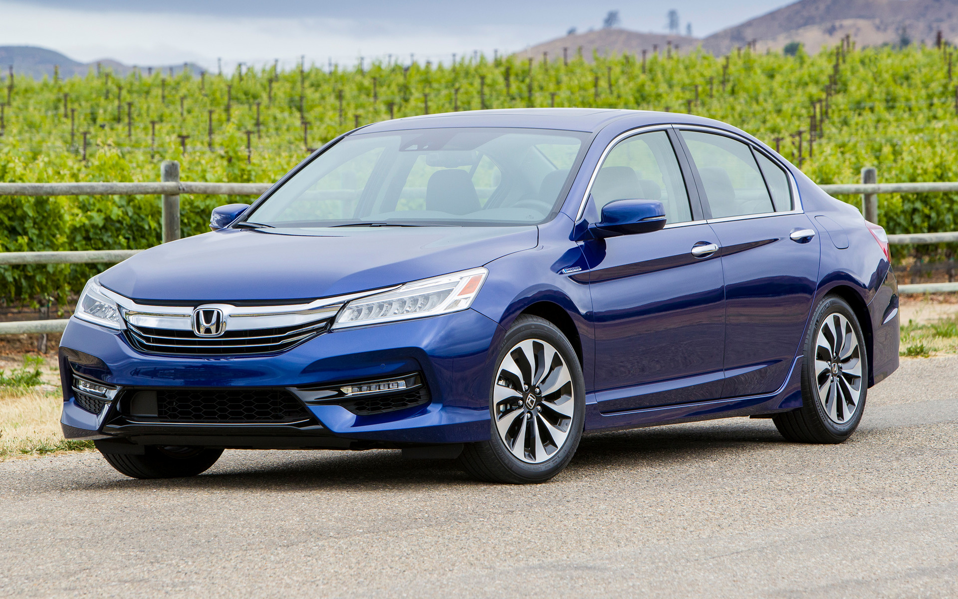 Honda Accord Hybrid Touring (2017) US Wallpapers and HD Images - Car ...