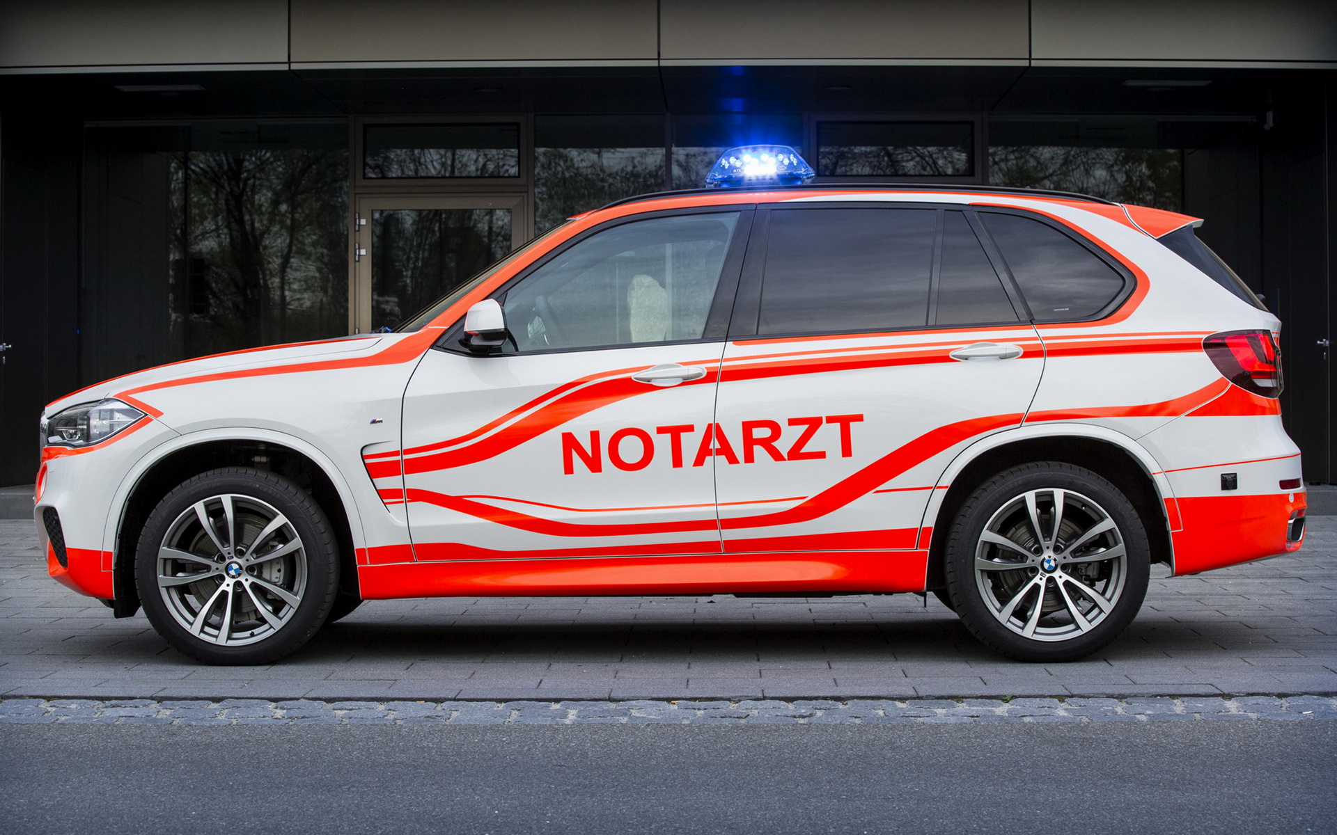 2014 BMW X5 M Sport Notarzt - Wallpapers and HD Images ...