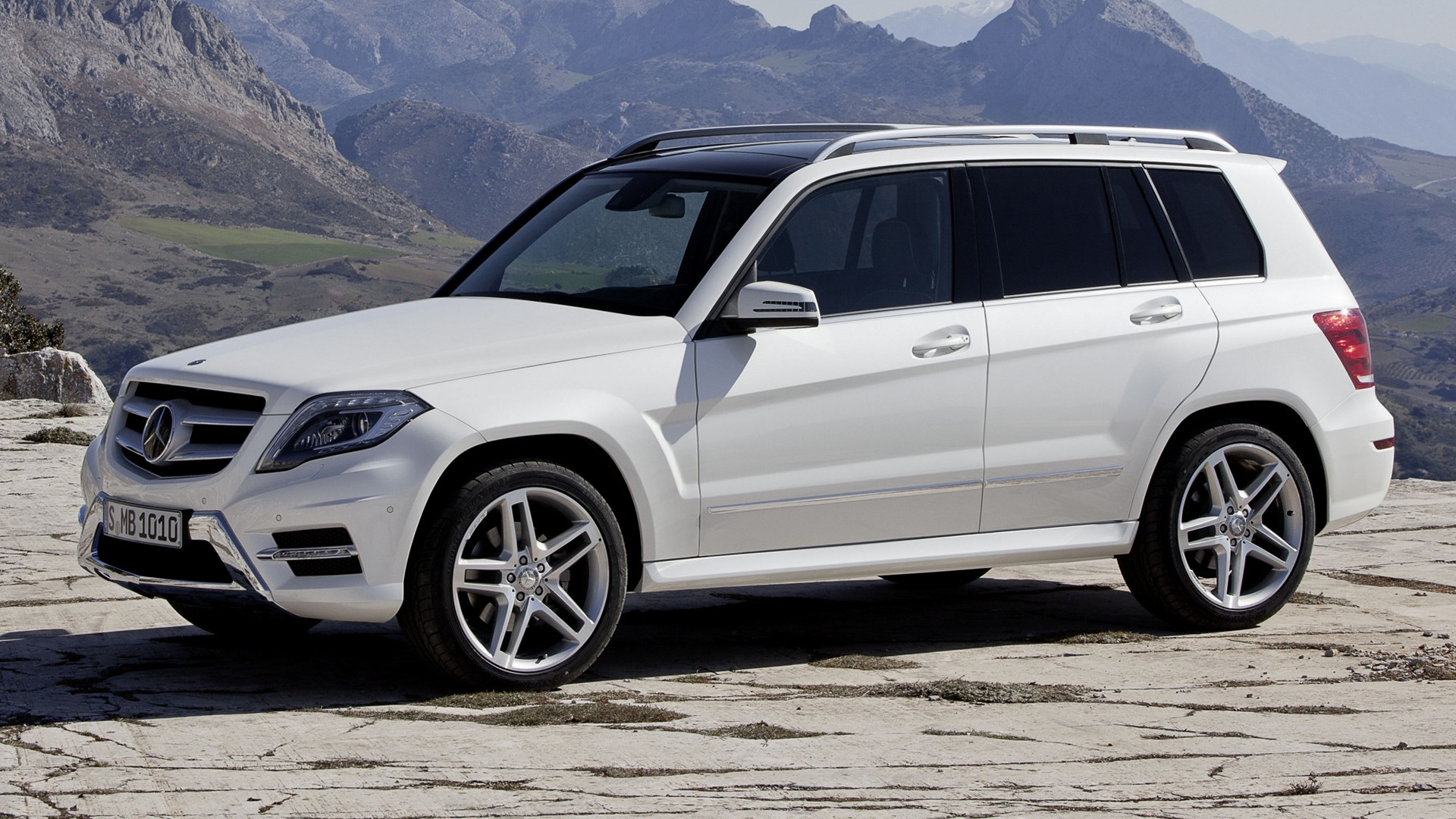 Mercedes-Benz GLK-Class AMG Styling (2012) Wallpapers and HD Images ...