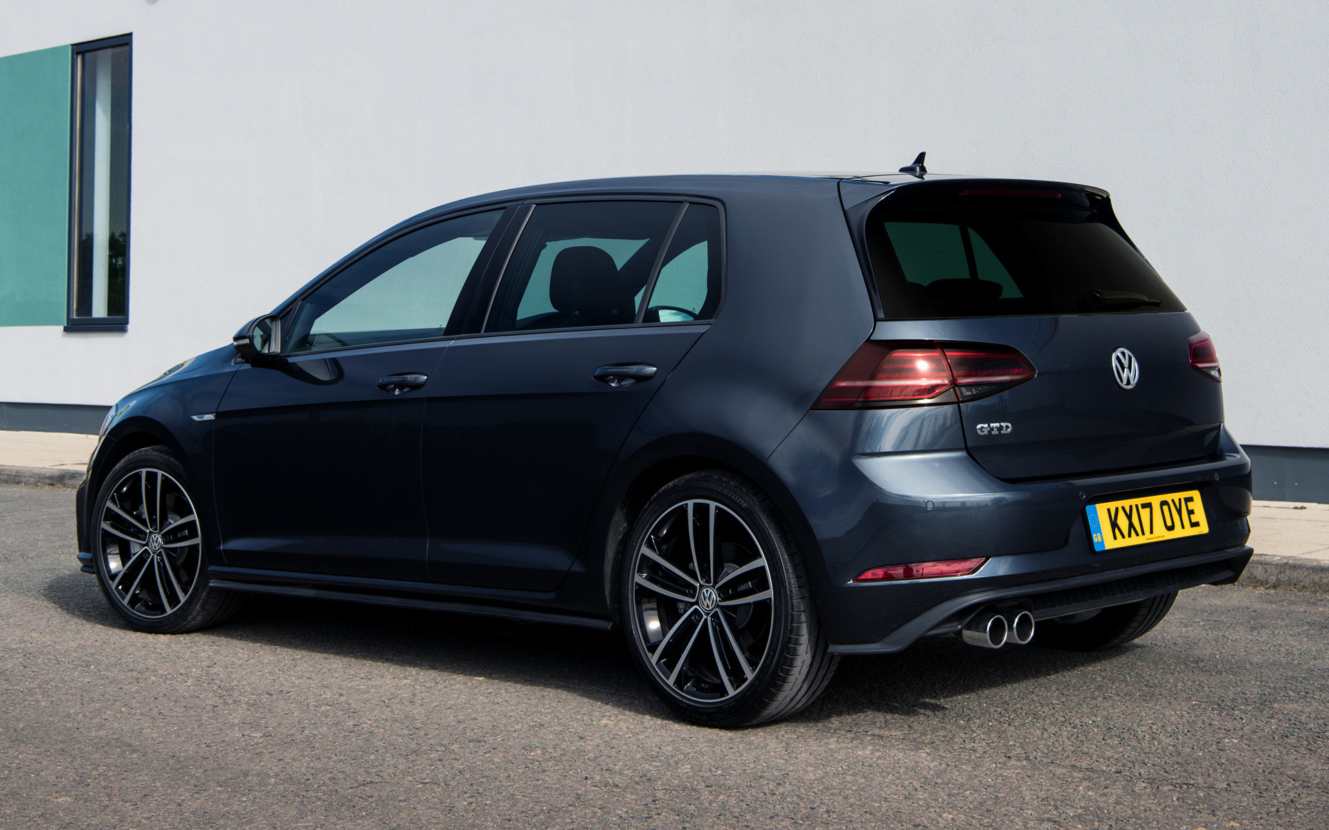 volkswagen golf gtd 5 door 2017 uk wallpapers and hd images car pixel. Black Bedroom Furniture Sets. Home Design Ideas