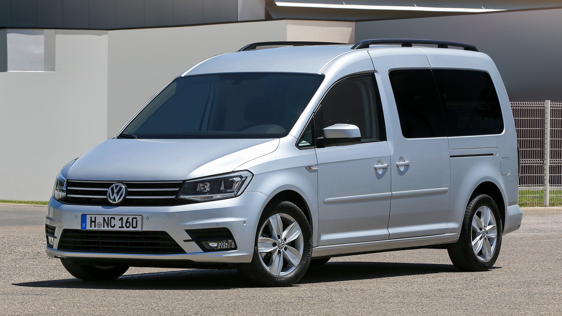 volkswagen caddy maxi 2015 wallpapers and hd images car pixel. Black Bedroom Furniture Sets. Home Design Ideas