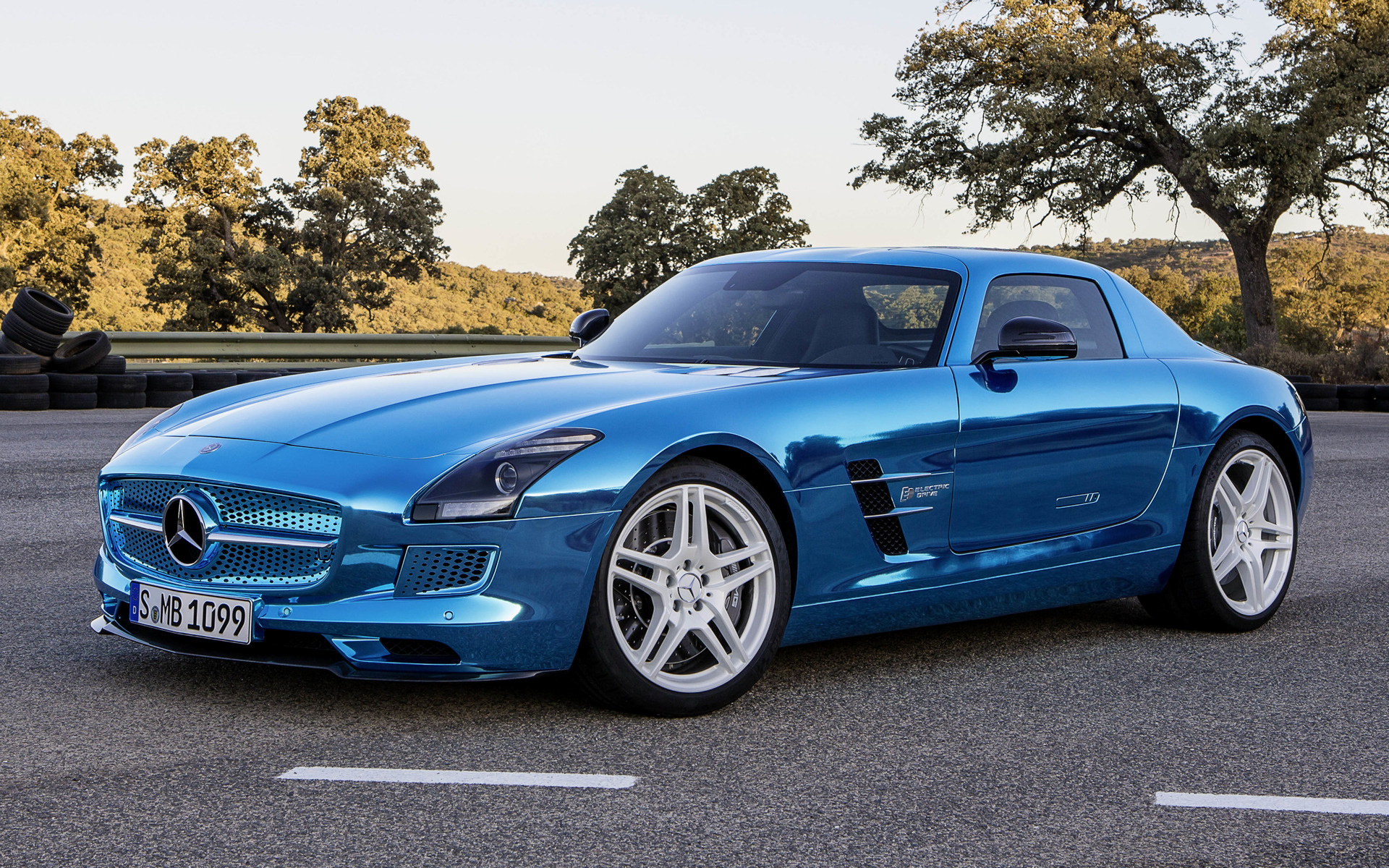 2013 Mercedes Benz Sls Amg Electric Drive Wallpapers And Hd Images